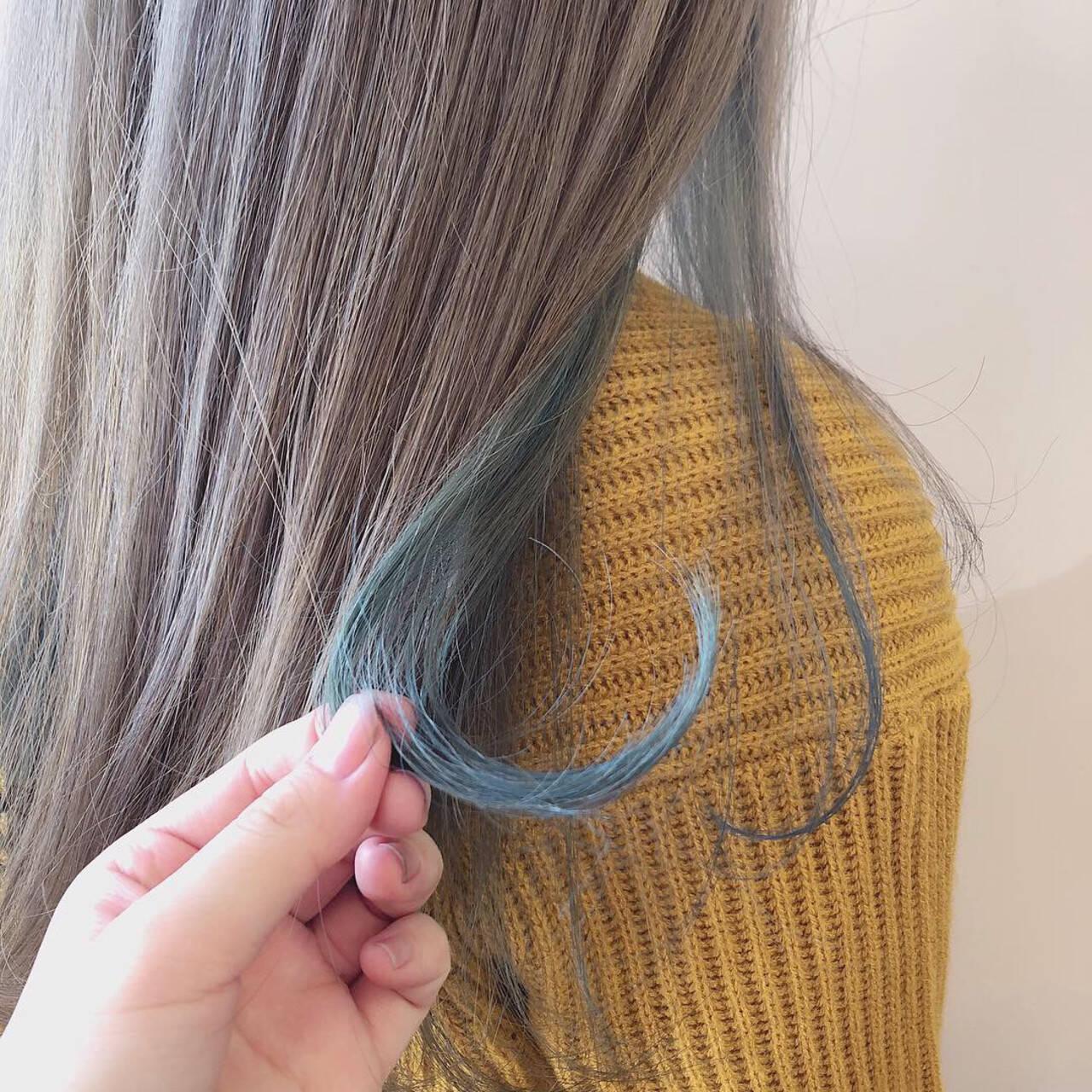ブルー インナーカラー フェミニン パステルカラーヘアスタイルや髪型の写真・画像