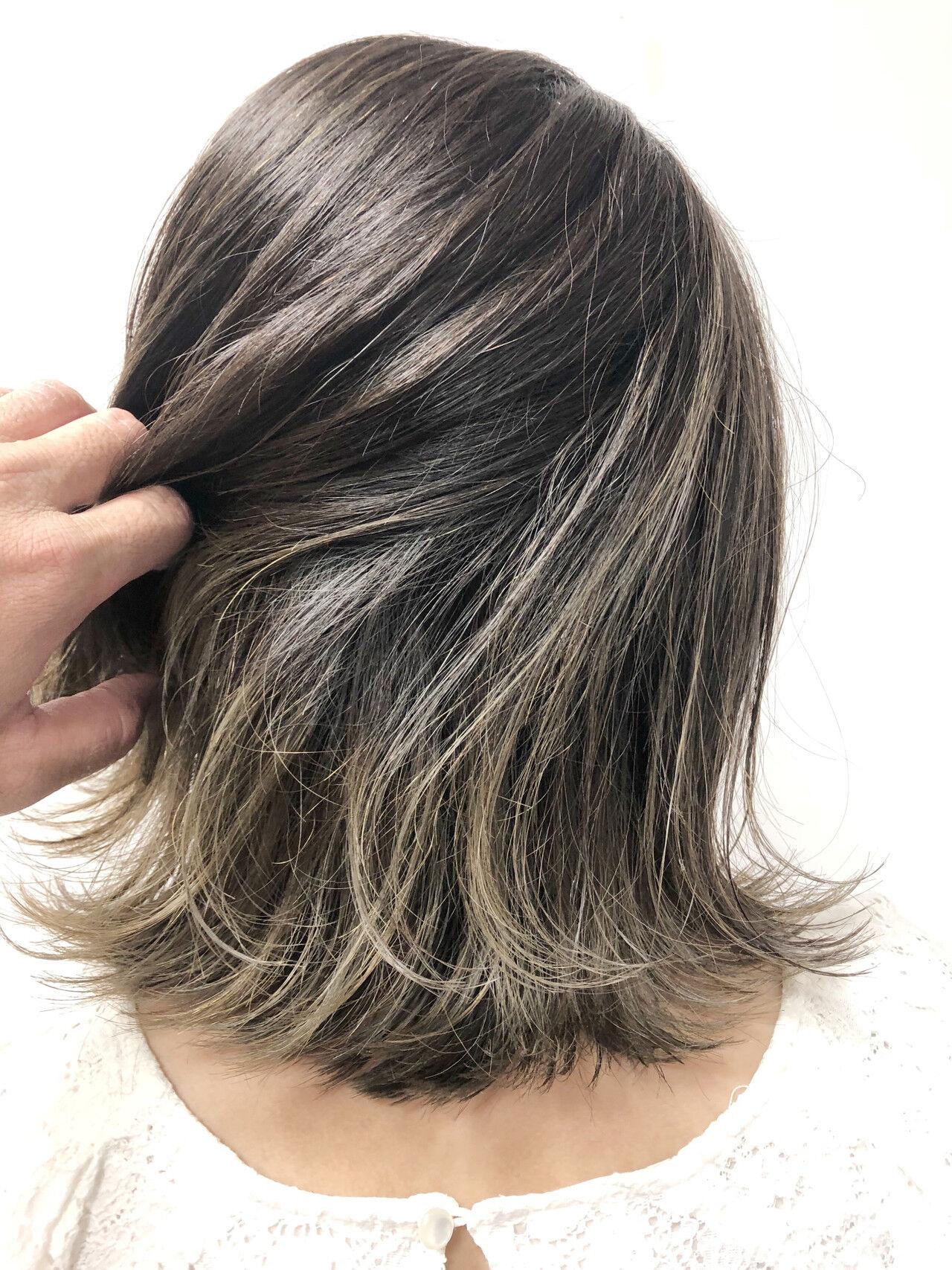 アッシュグレージュ ナチュラル ブリーチオンカラー ボブヘアスタイルや髪型の写真・画像