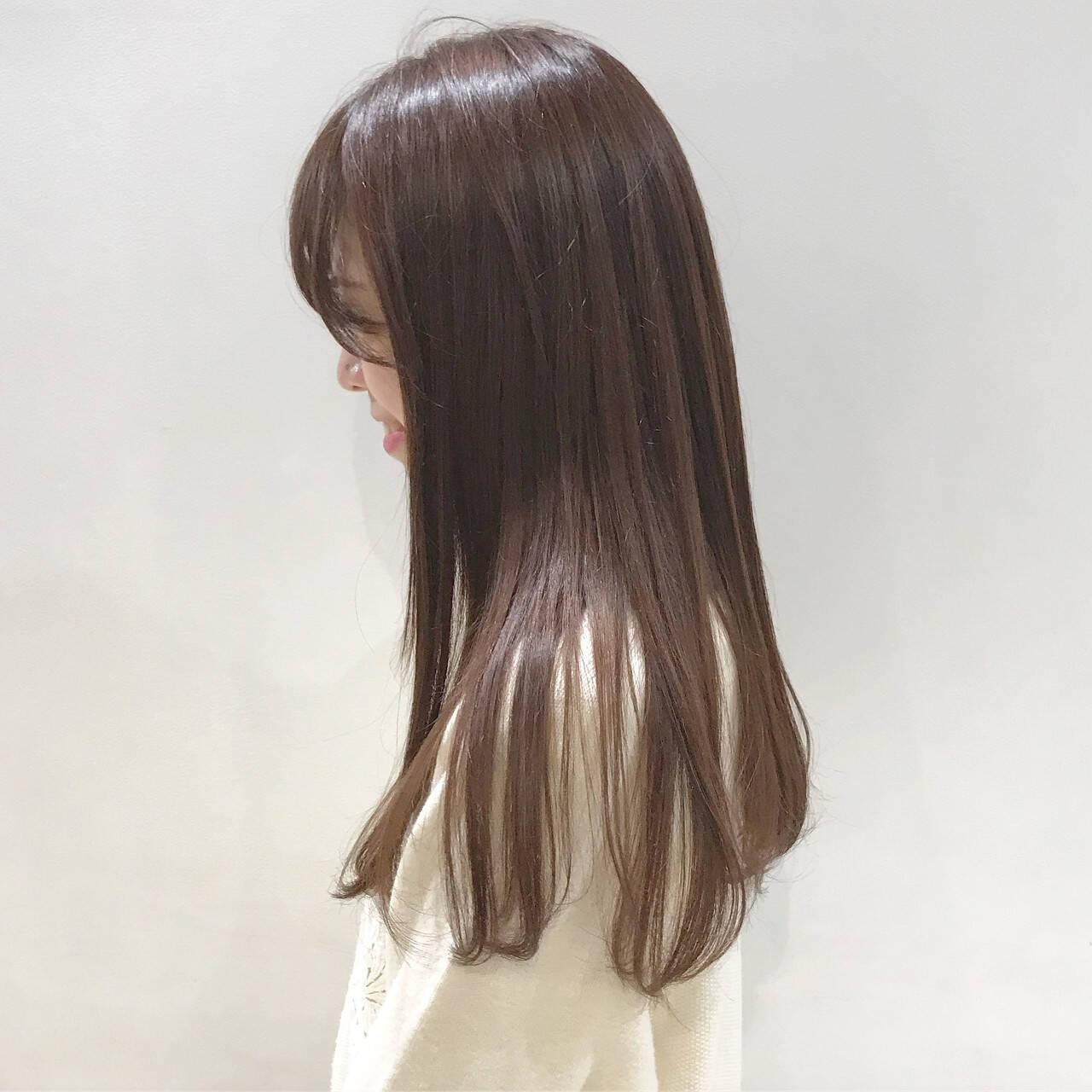 ブリーチなし ロング ラベンダーアッシュ ガーリーヘアスタイルや髪型の写真・画像