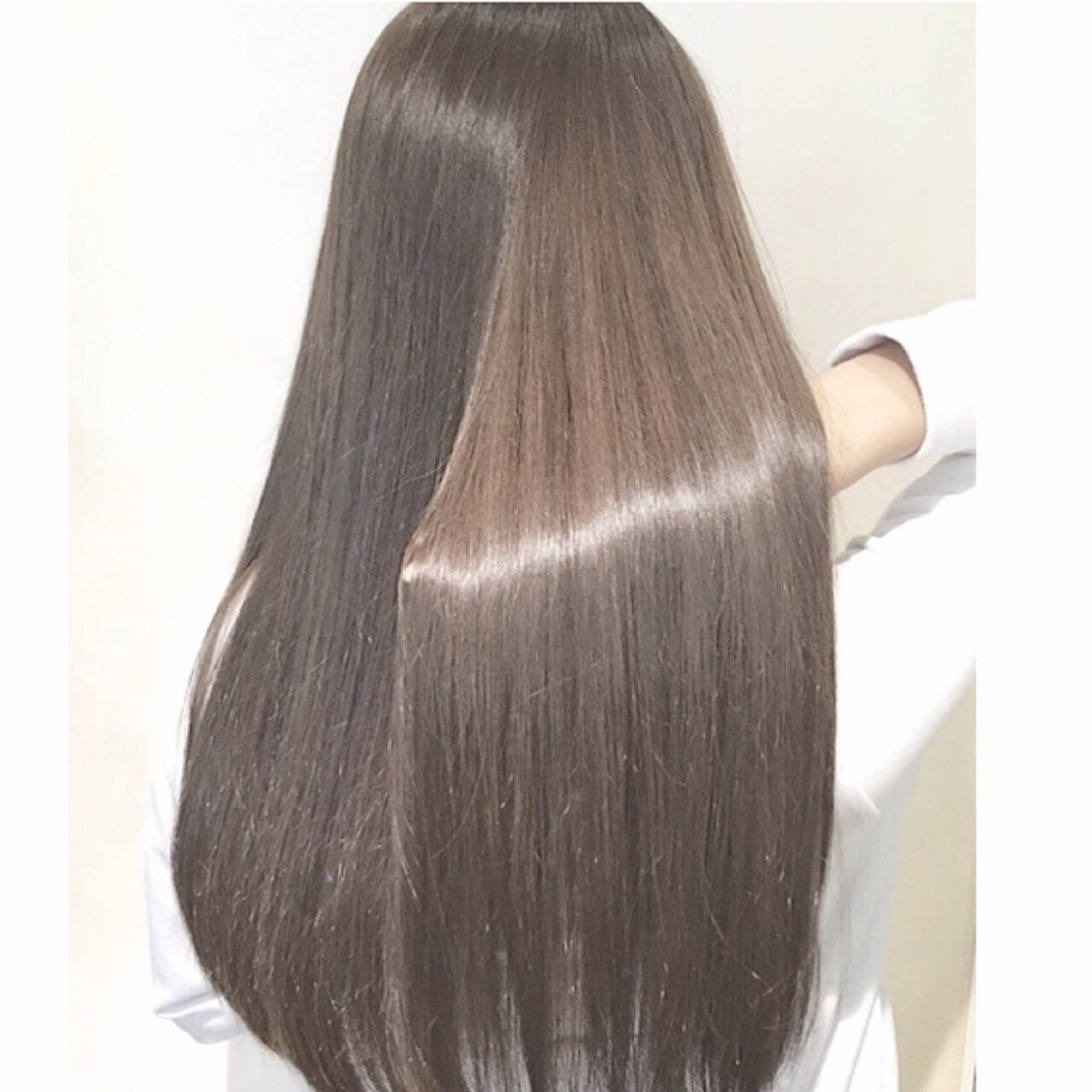 ロング ハイライト グラデーションカラー 暗髪ヘアスタイルや髪型の写真・画像