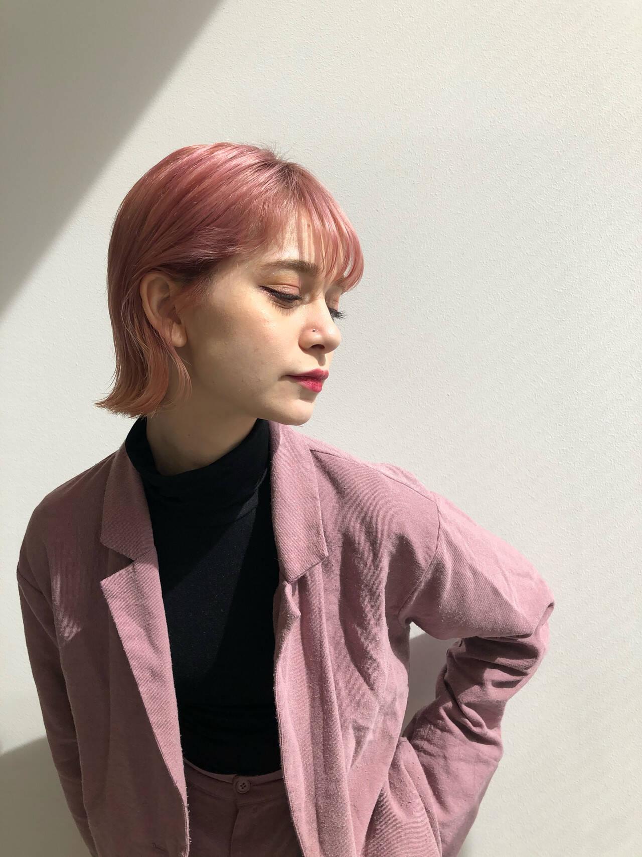 ベリーピンク ピンクパープル チェリーピンク ボブヘアスタイルや髪型の写真・画像