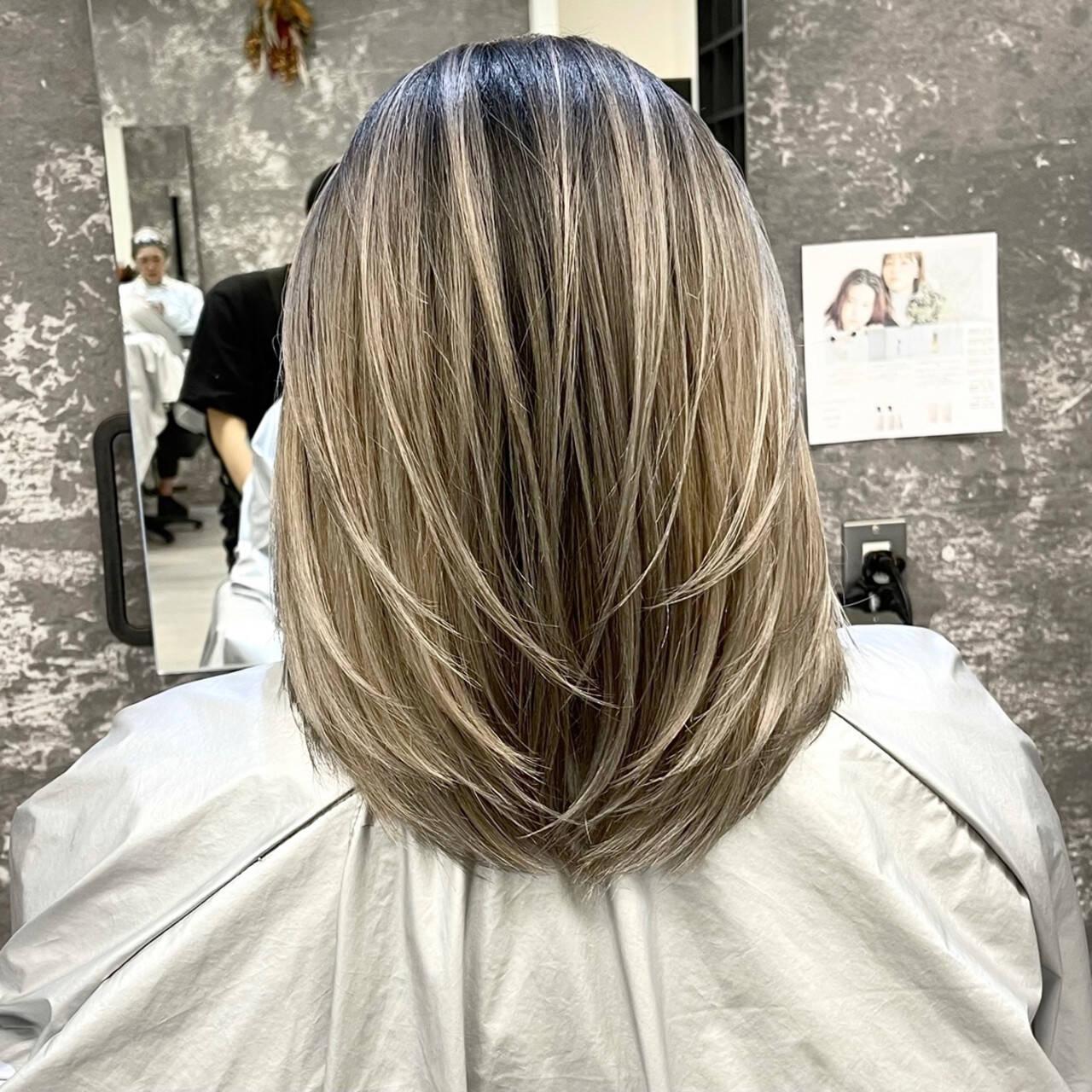 アッシュベージュ 外国人風カラー グレージュ ママヘアスタイルや髪型の写真・画像