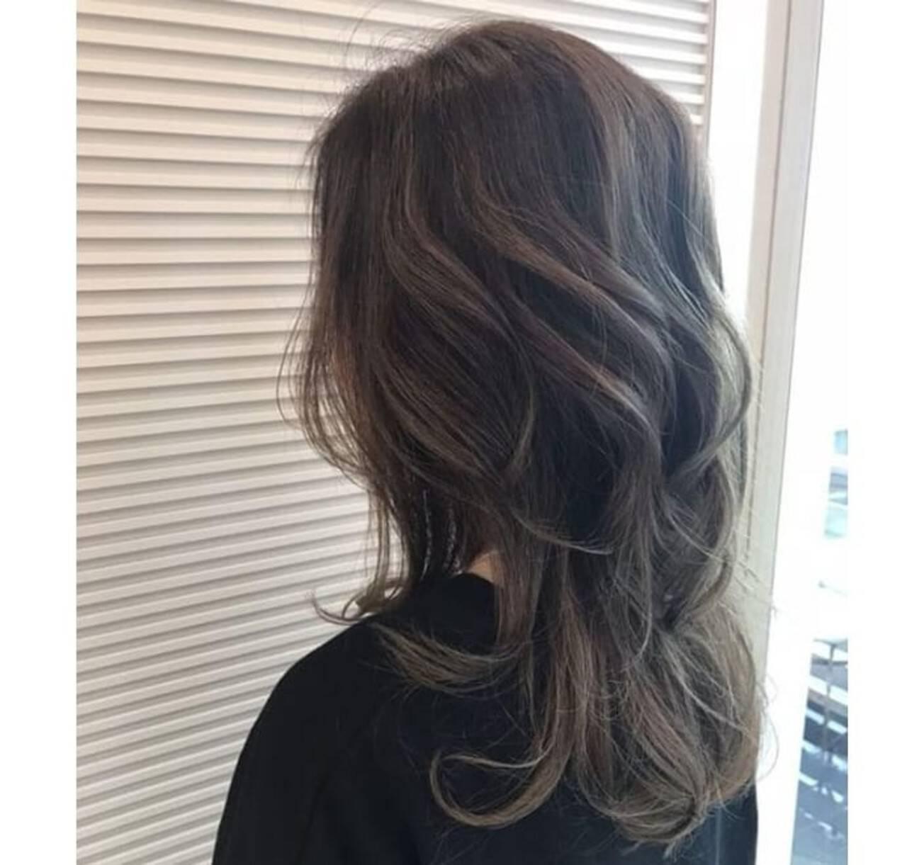 グレージュ アッシュグレージュ モード ヘアアレンジヘアスタイルや髪型の写真・画像