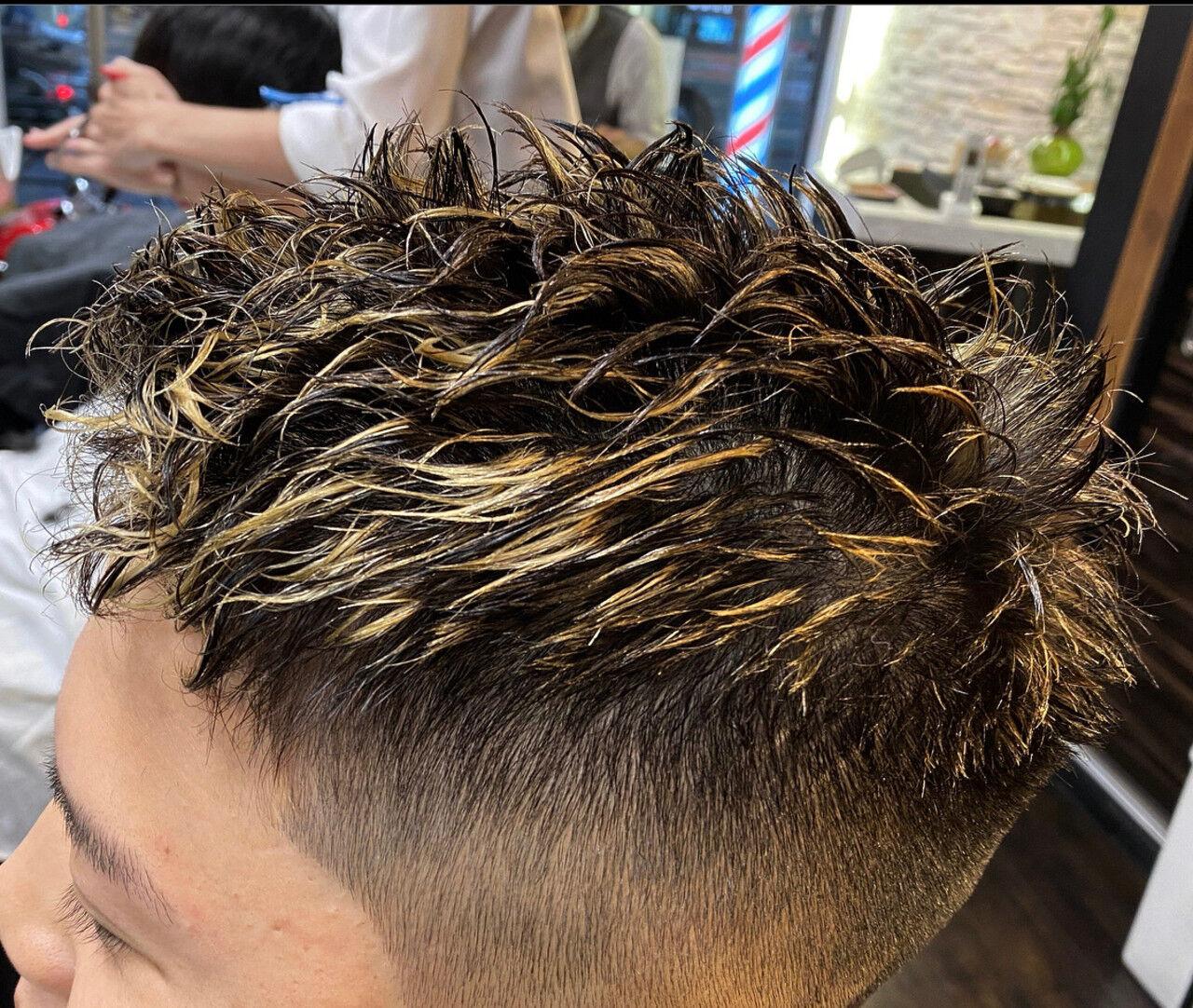 ガーリー ツイスト メンズショート スキンフェードヘアスタイルや髪型の写真・画像