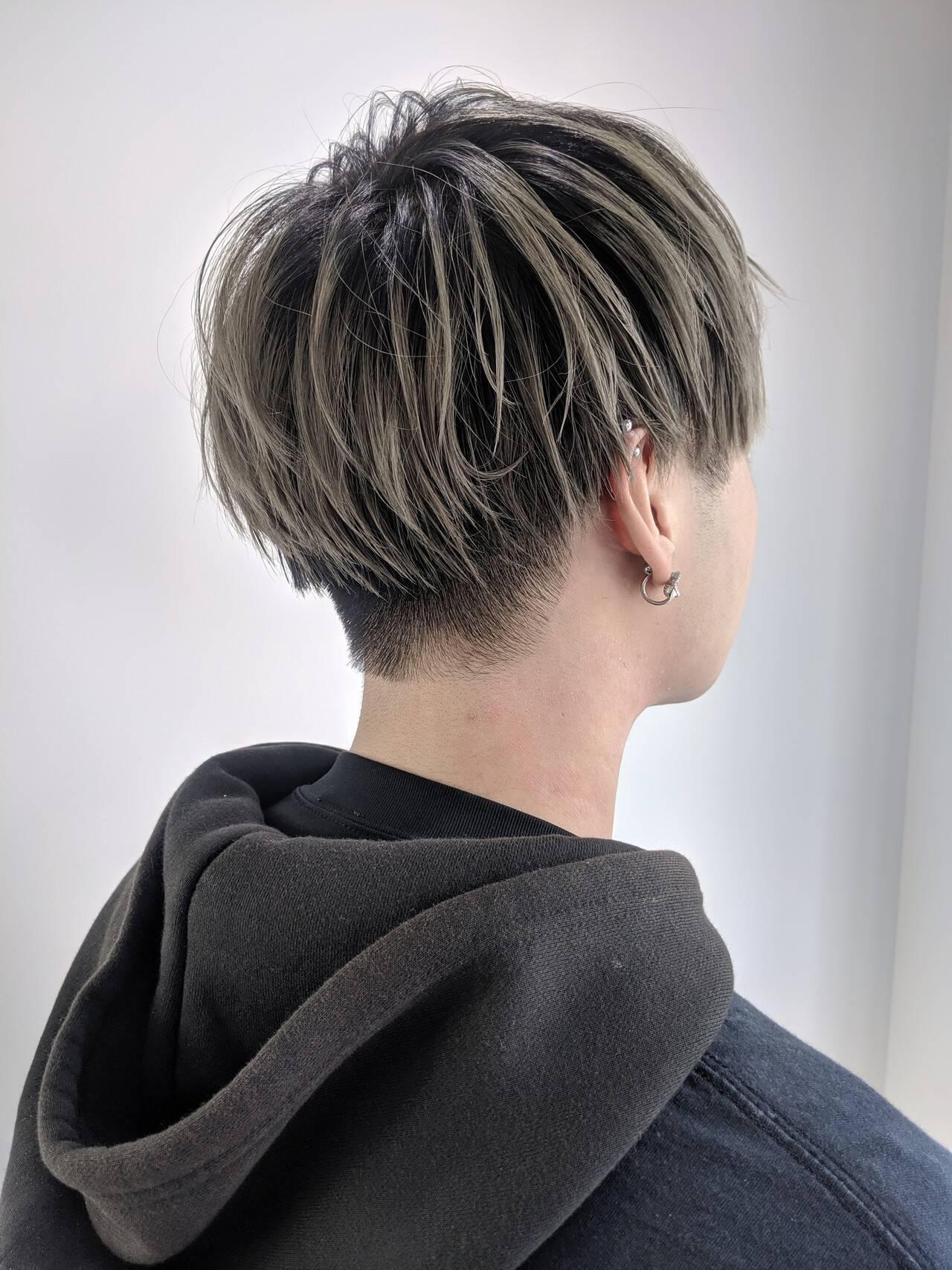 色気 ツーブロック 刈り上げ ストリートヘアスタイルや髪型の写真・画像
