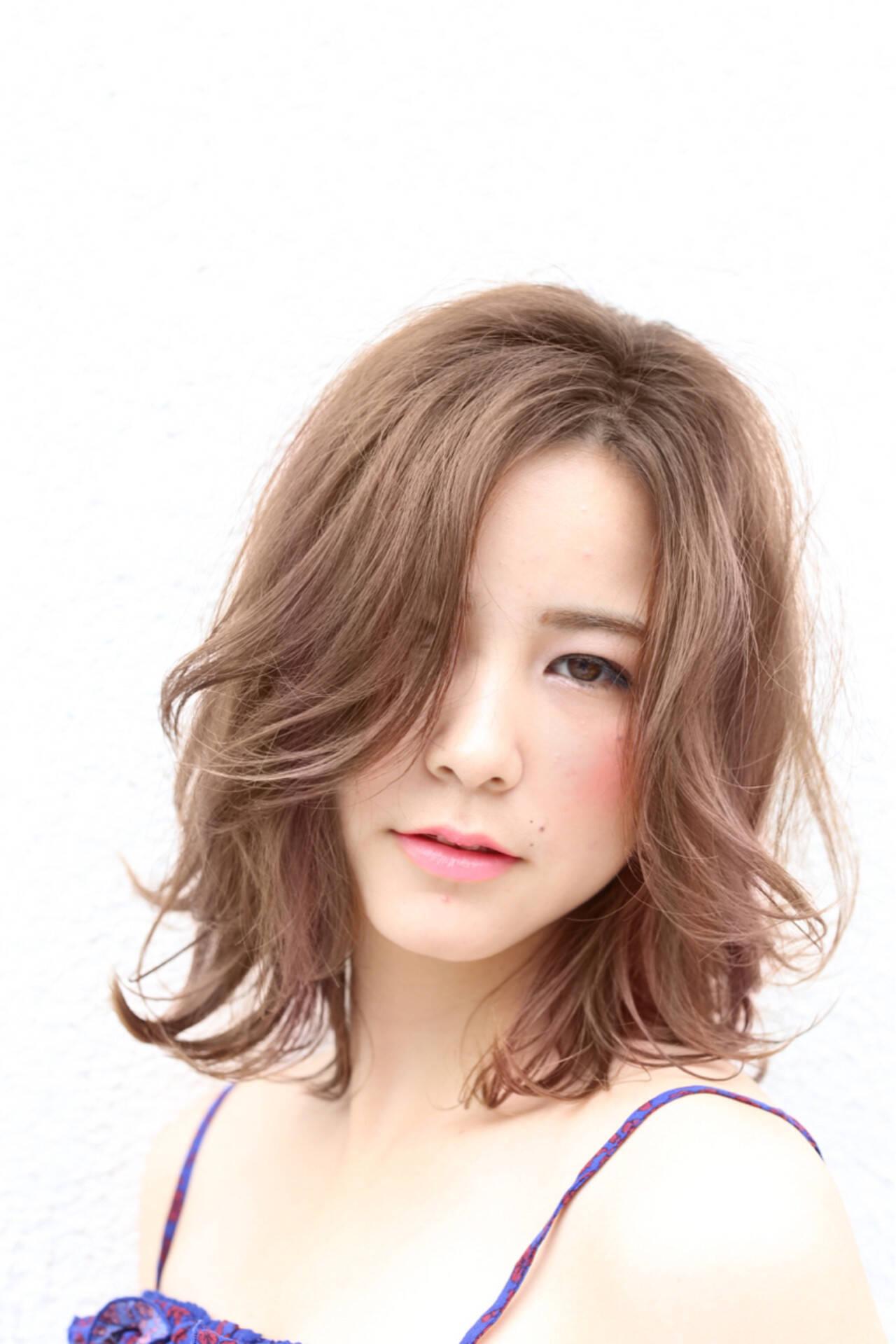 ミディアム ナチュラル 外国人風 デートヘアスタイルや髪型の写真・画像