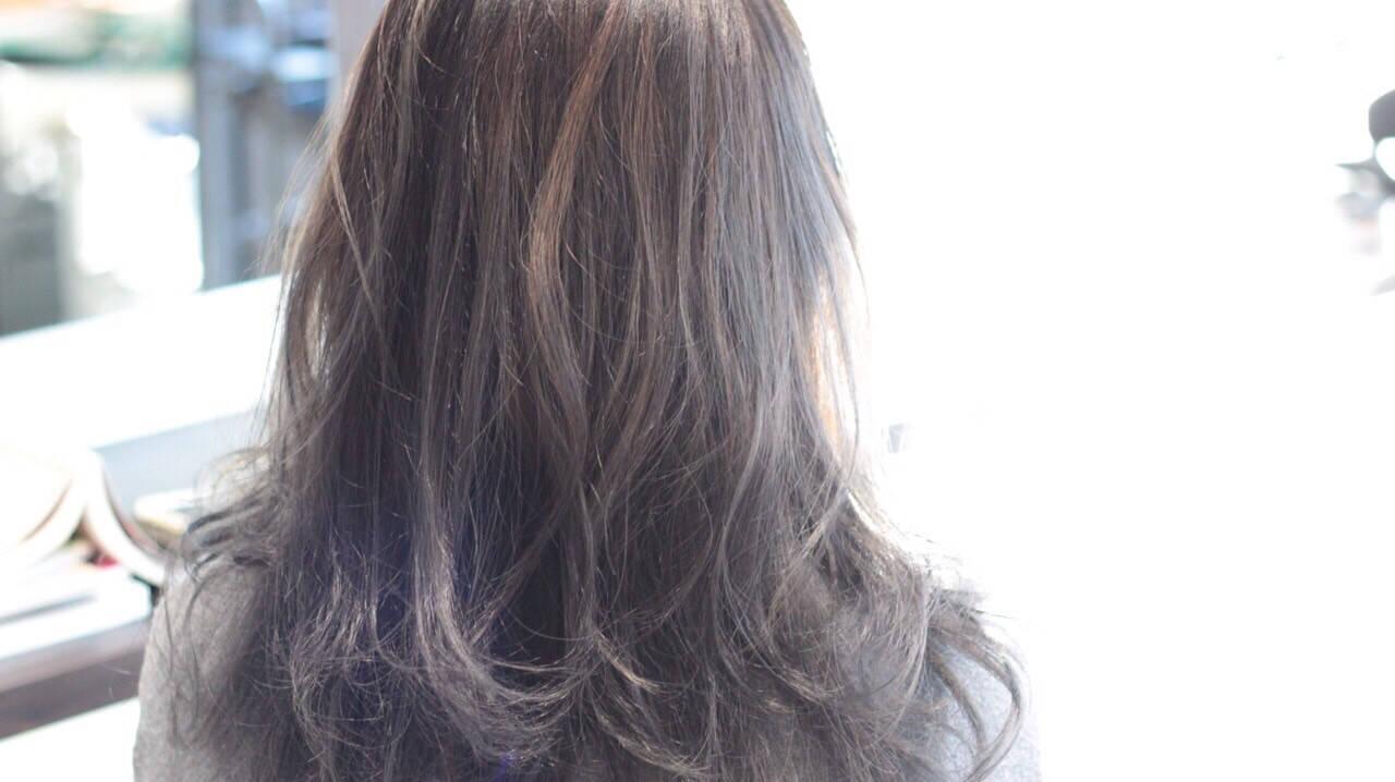 ロング 外国人風カラー グレージュ ストリートヘアスタイルや髪型の写真・画像