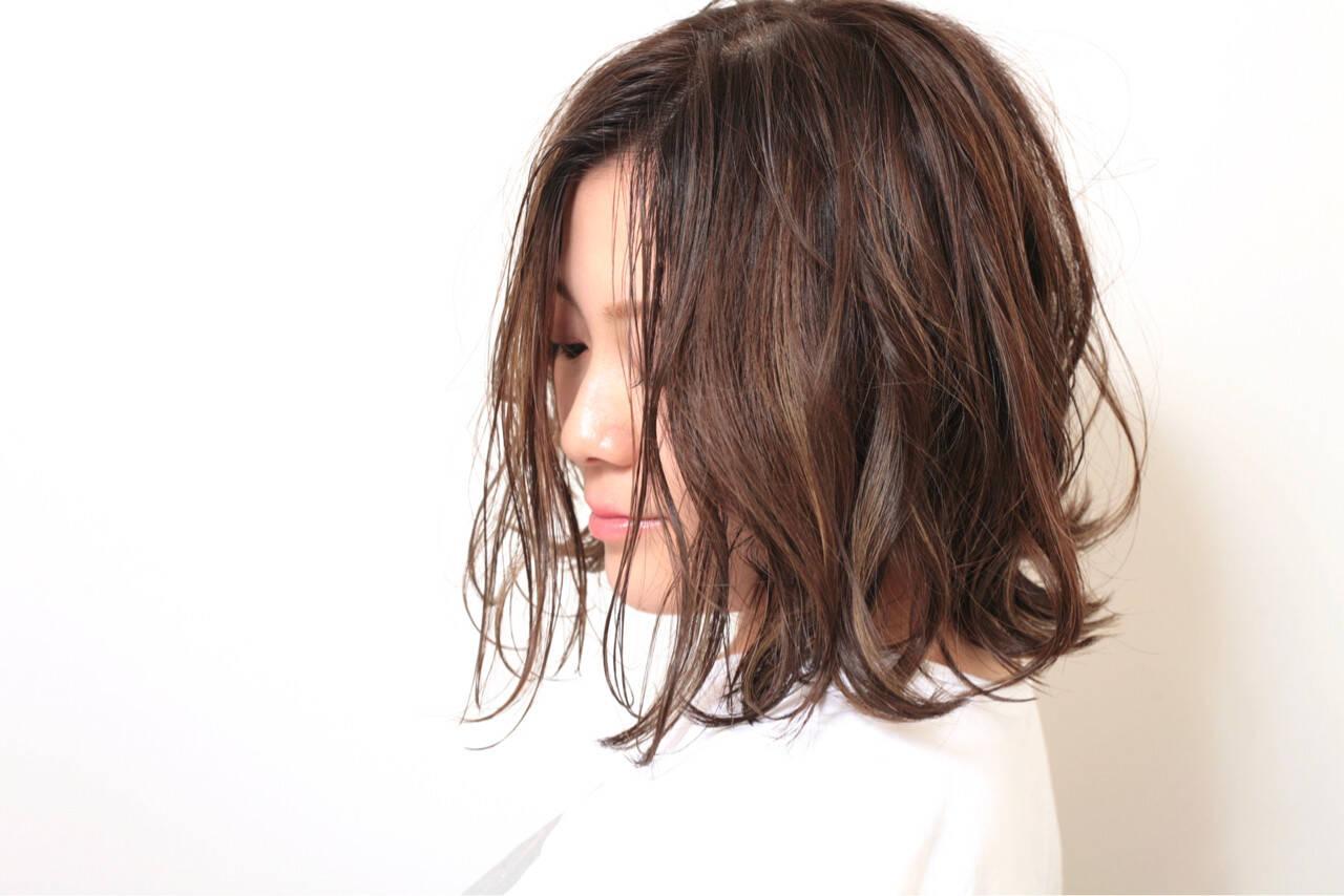 ミディアム ナチュラル 外国人風 ハイライトヘアスタイルや髪型の写真・画像