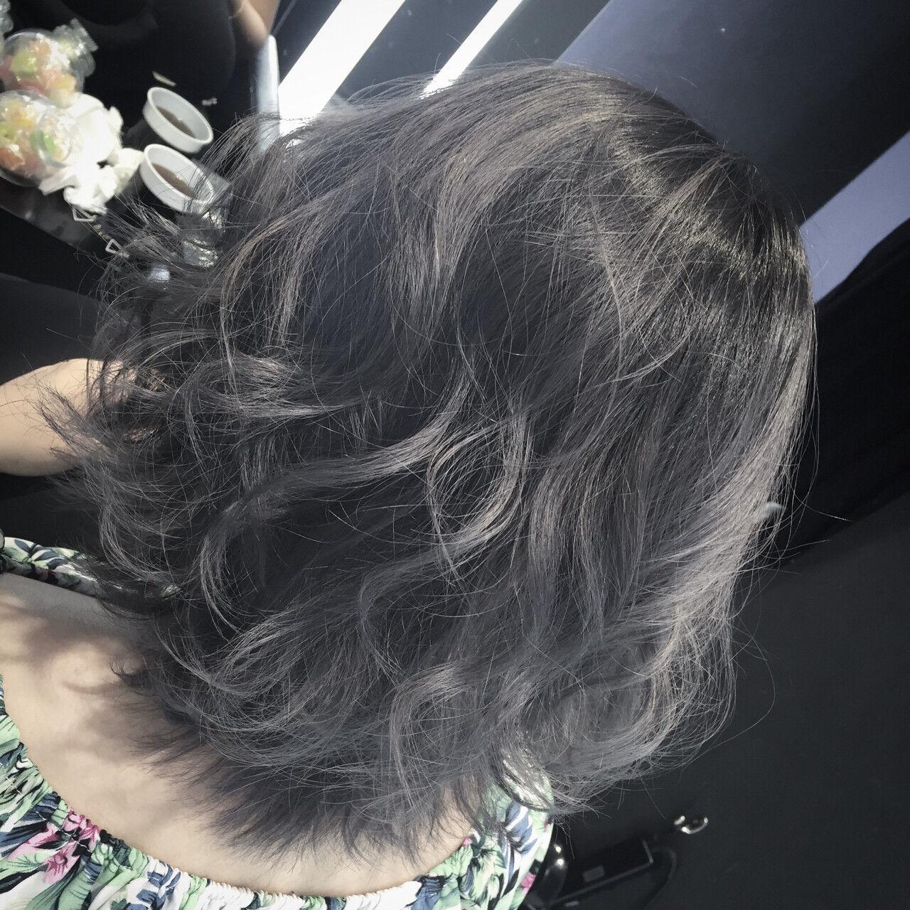 暗髪 外国人風 アッシュ 黒髪ヘアスタイルや髪型の写真・画像