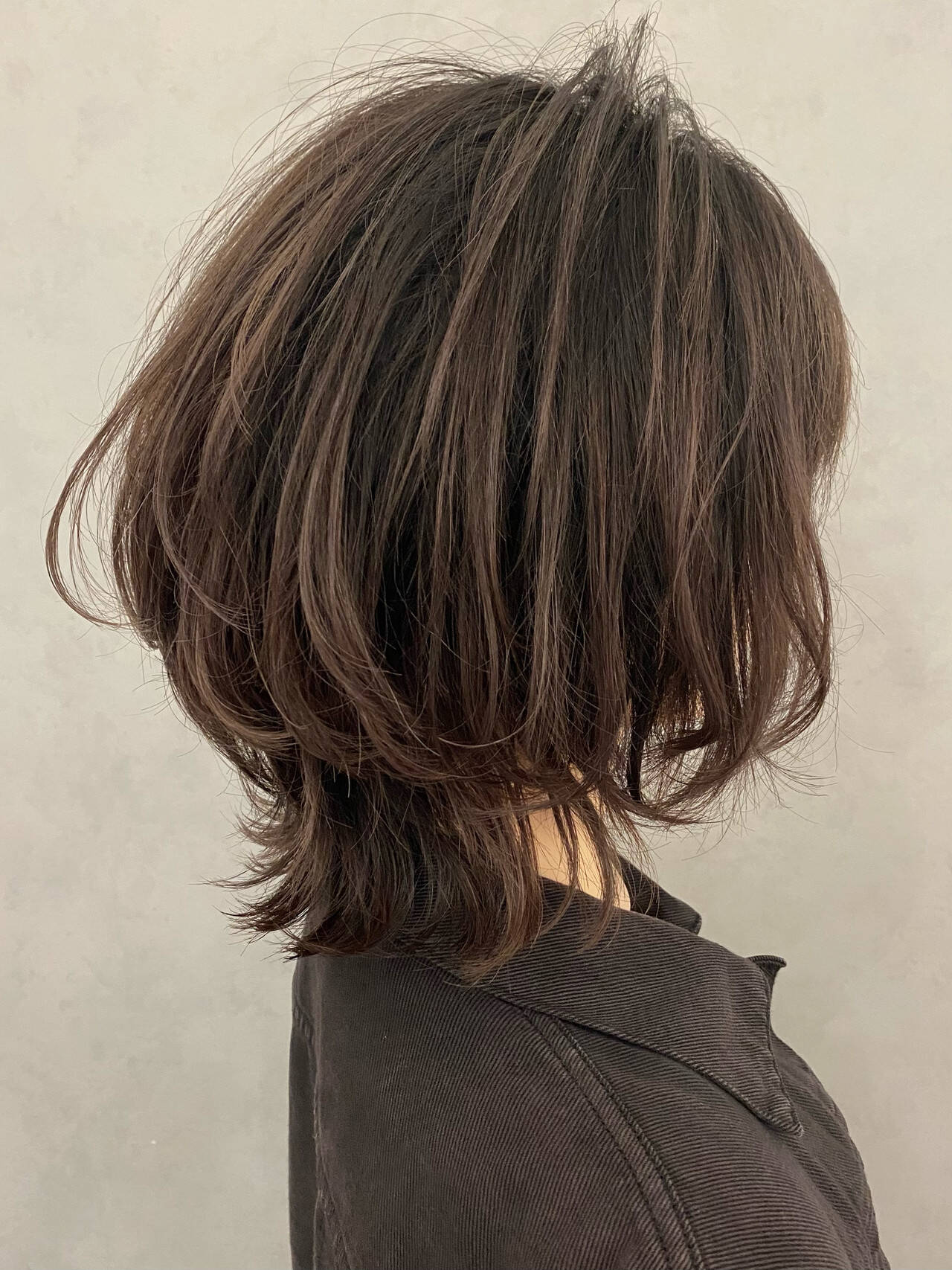 外ハネ ミディアム ウルフレイヤー ウルフカットヘアスタイルや髪型の写真・画像