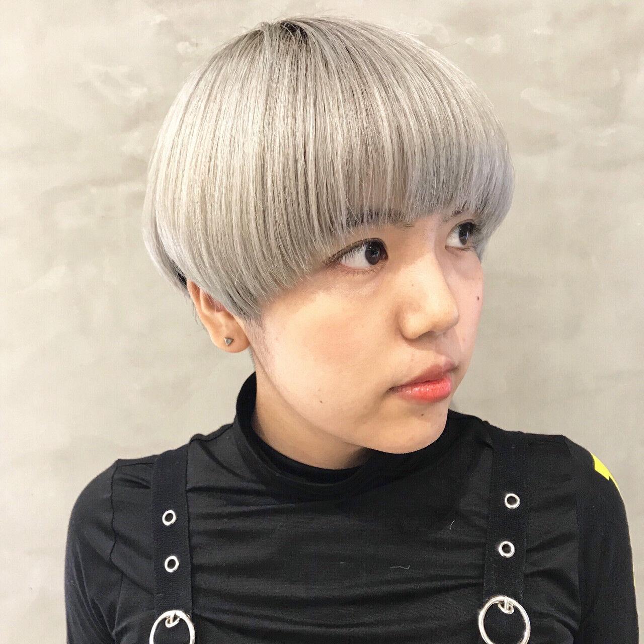 前髪パッツン オン眉 女子力 ショートヘアスタイルや髪型の写真・画像
