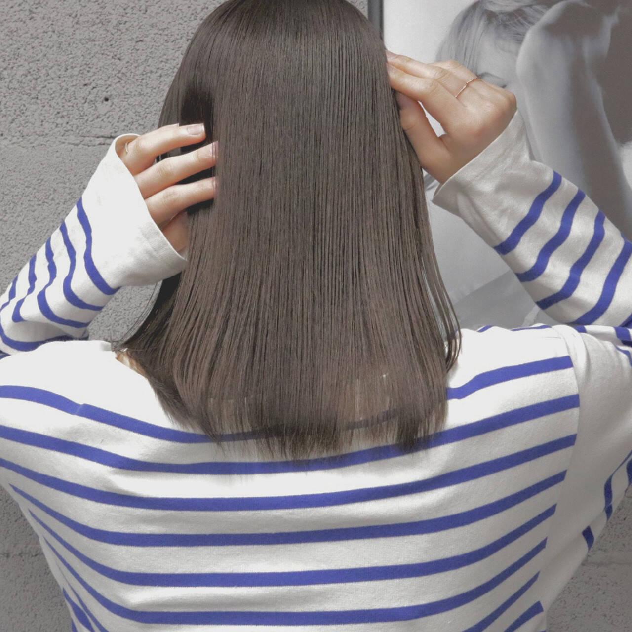 ミディアム アッシュベージュ 透明感カラー ナチュラル可愛いヘアスタイルや髪型の写真・画像
