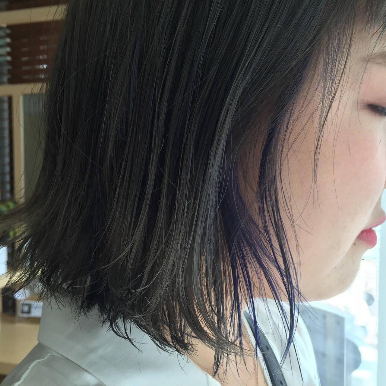 アッシュ ストリート ブルー インナーカラーヘアスタイルや髪型の写真・画像