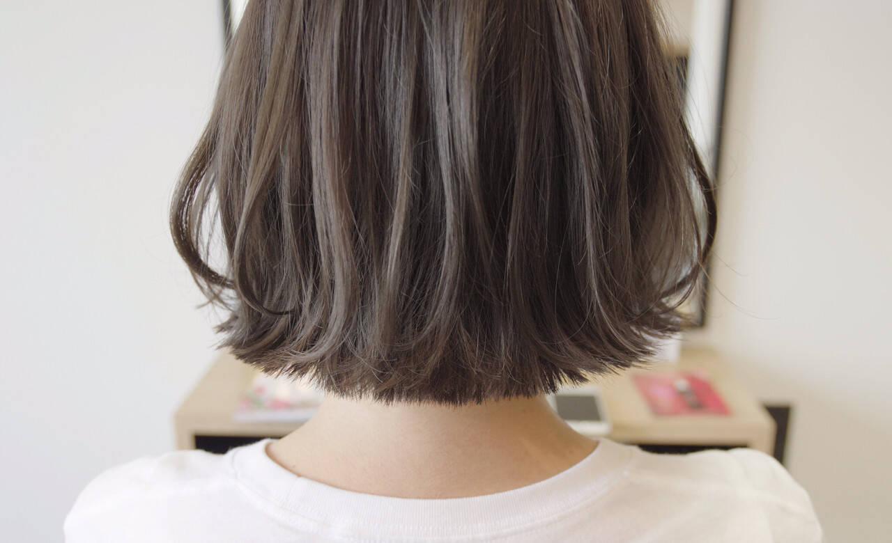 ナチュラル ボブ 暗髪 切りっぱなしヘアスタイルや髪型の写真・画像