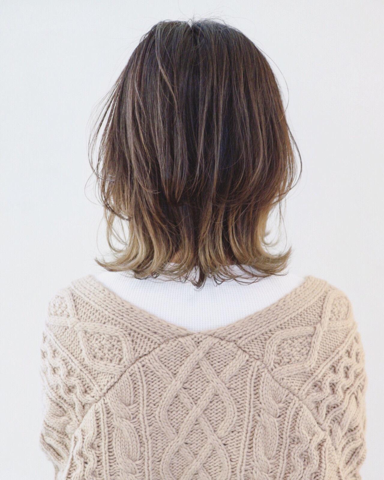 ミディアム ニュアンスウルフ グレージュ ウルフカットヘアスタイルや髪型の写真・画像