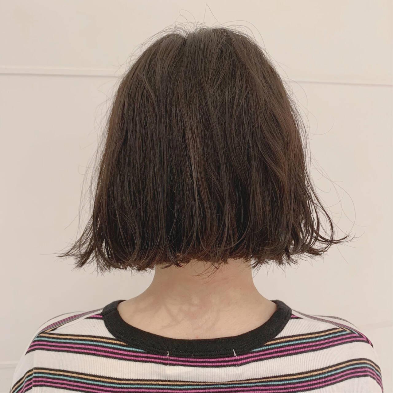 ショートバング 外ハネボブ くせ毛風 パーマヘアスタイルや髪型の写真・画像