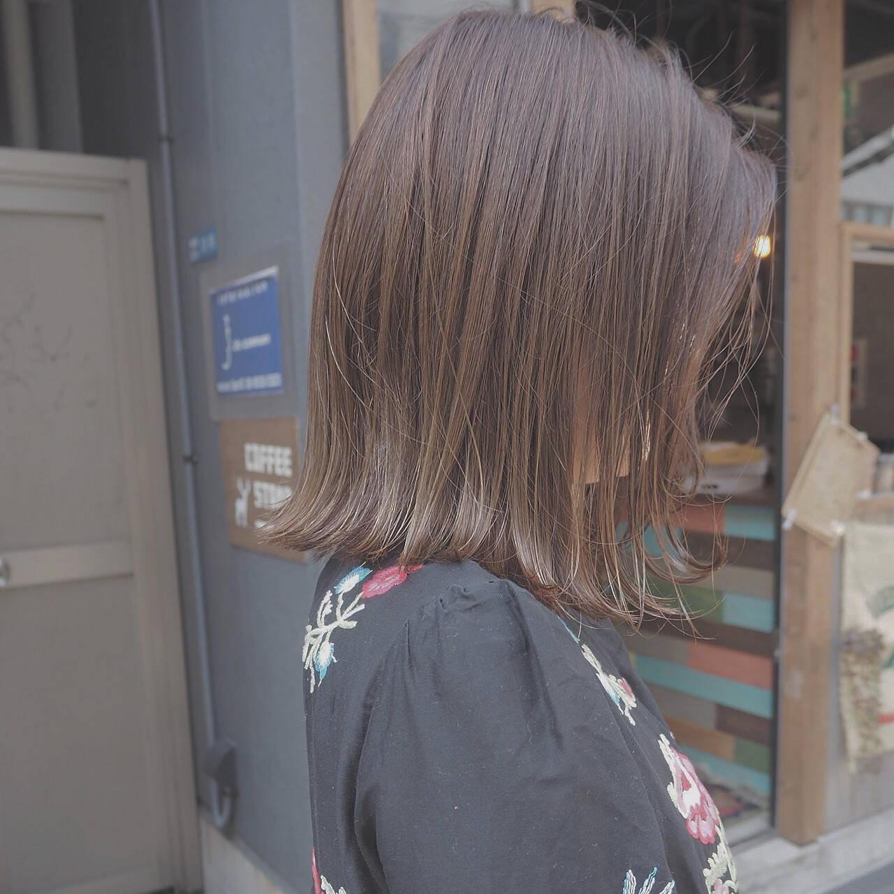 ミルクティー インナーカラー 外国人風 イルミナカラーヘアスタイルや髪型の写真・画像