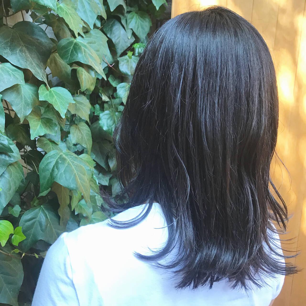 グレージュ ブルージュ 透明感カラー ナチュラルヘアスタイルや髪型の写真・画像