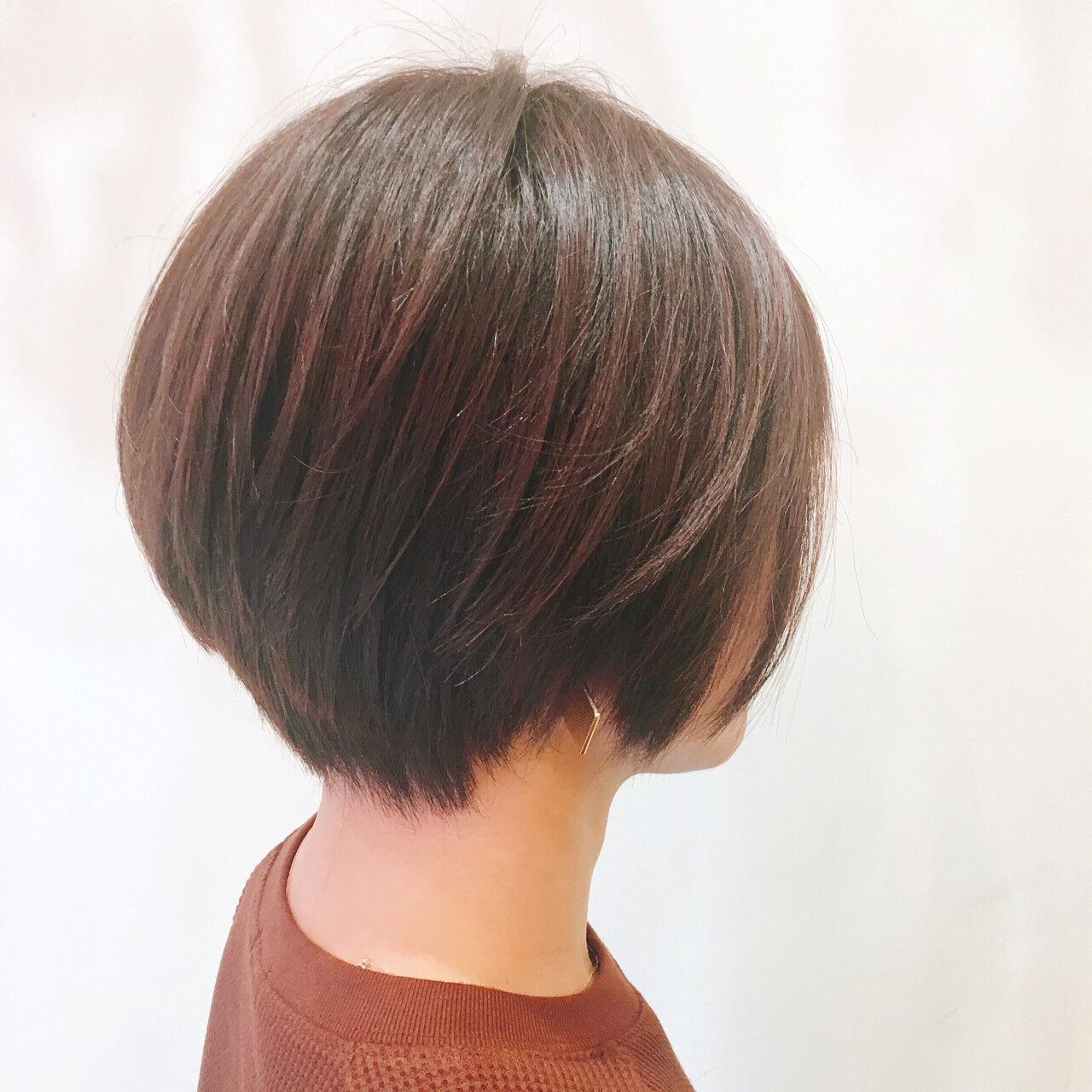 ショート アッシュベージュ 大人かわいい ナチュラルヘアスタイルや髪型の写真・画像