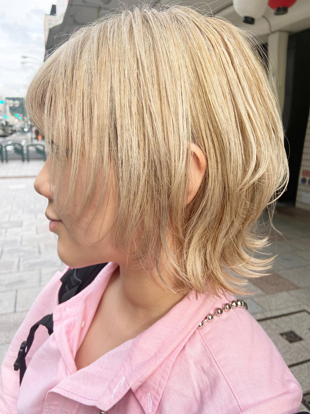 ホワイトブリーチ ブリーチカラー アッシュベージュ ナチュラルヘアスタイルや髪型の写真・画像