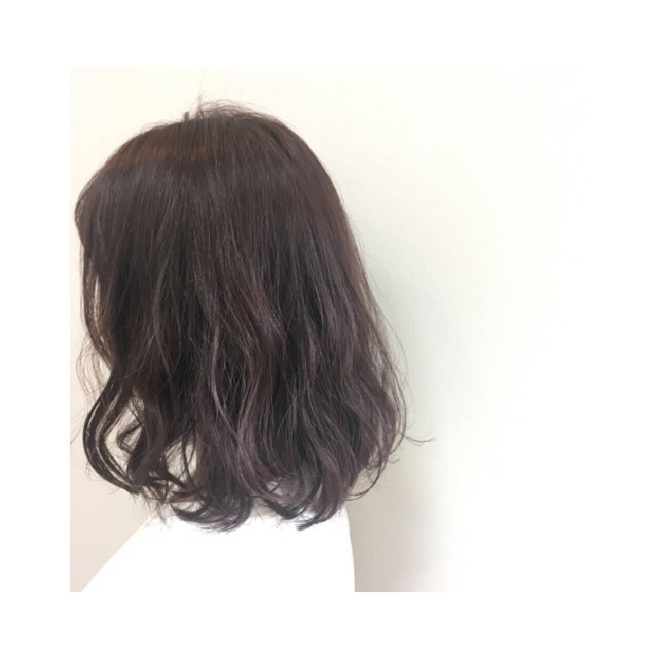 ナチュラル 春 グレージュ ラベンダーアッシュヘアスタイルや髪型の写真・画像
