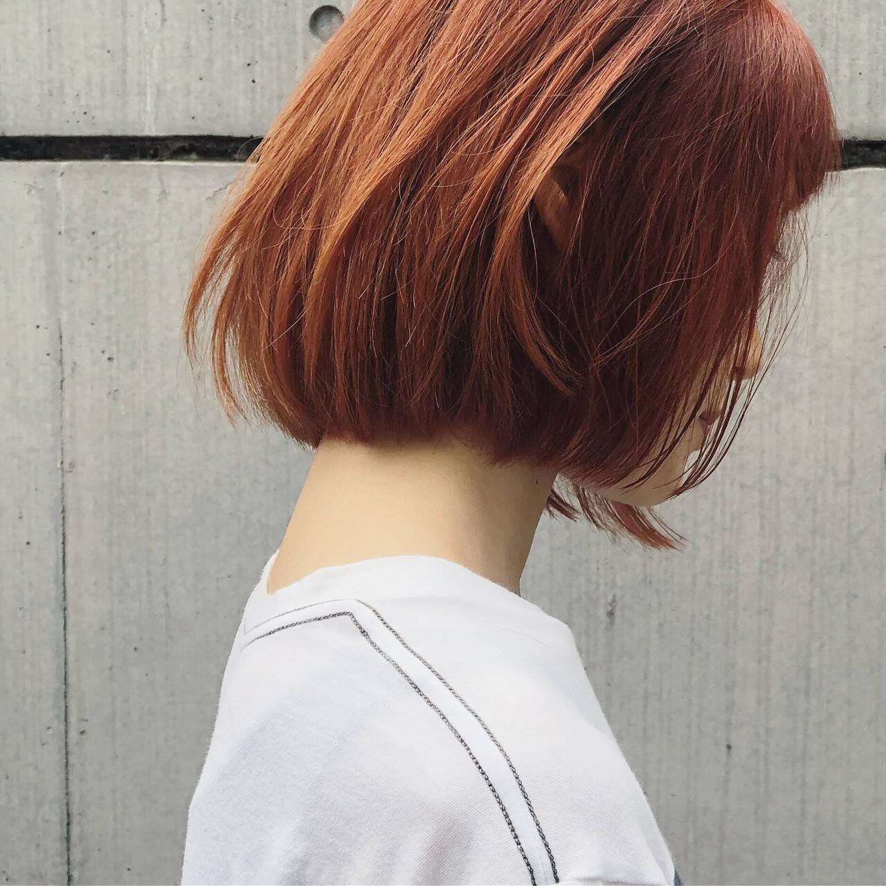 ガーリー デート ダブルカラー 切りっぱなしボブヘアスタイルや髪型の写真・画像