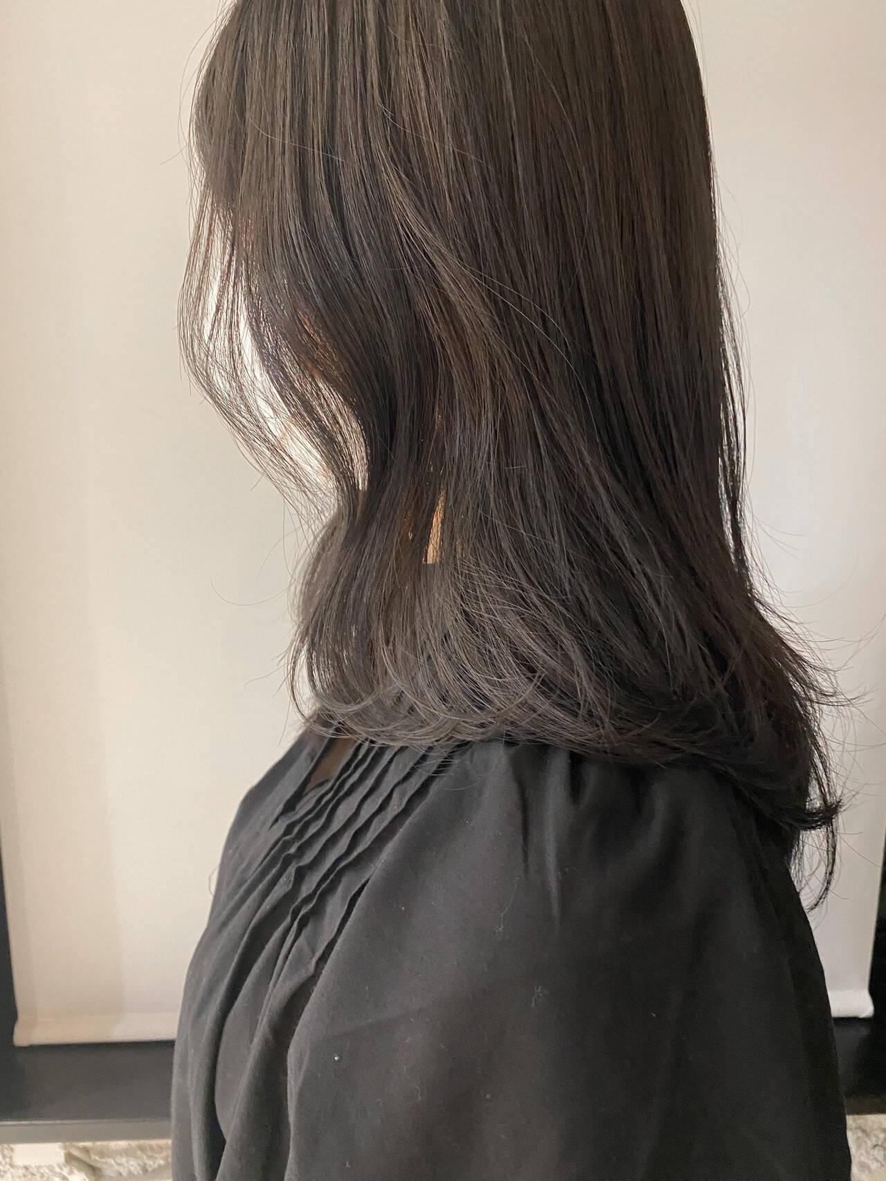 ブルージュ ミディアム 透明感カラー 暗髪ヘアスタイルや髪型の写真・画像