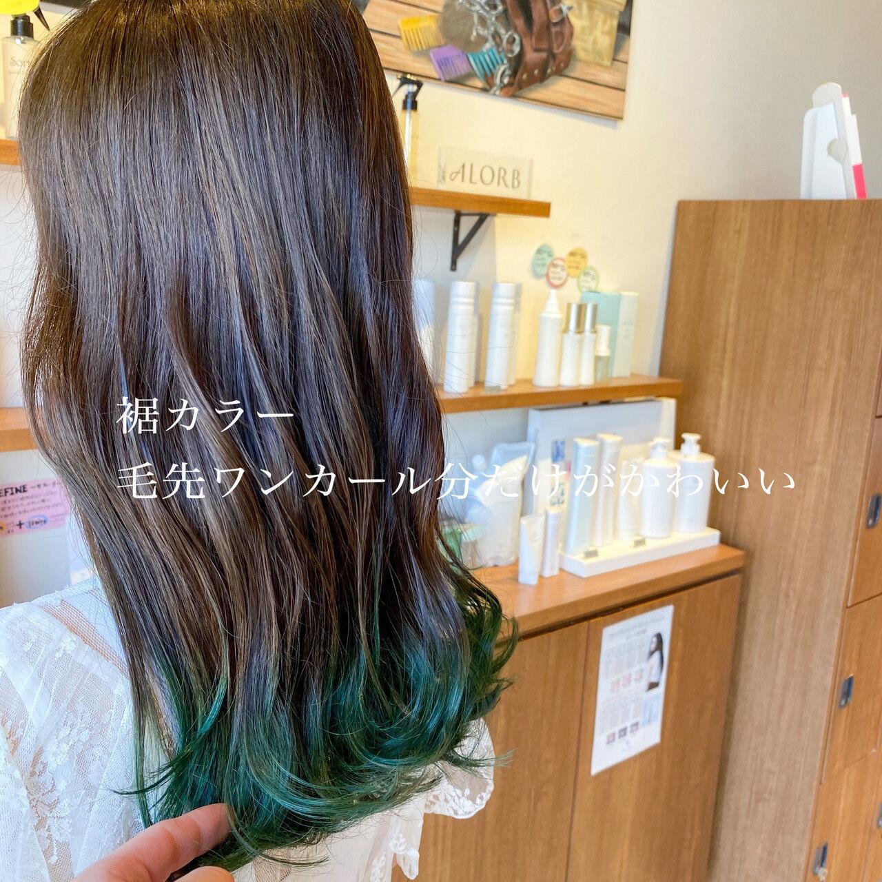 フェミニン 透明感カラー グラデーションカラー 波巻きヘアスタイルや髪型の写真・画像