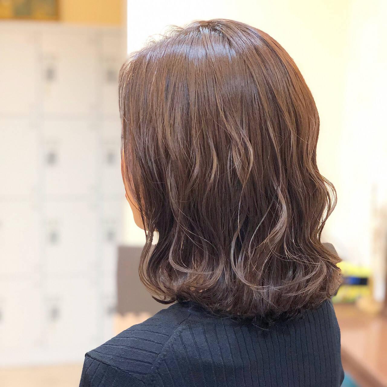 透明感 女子力 フェミニン ミディアムヘアスタイルや髪型の写真・画像
