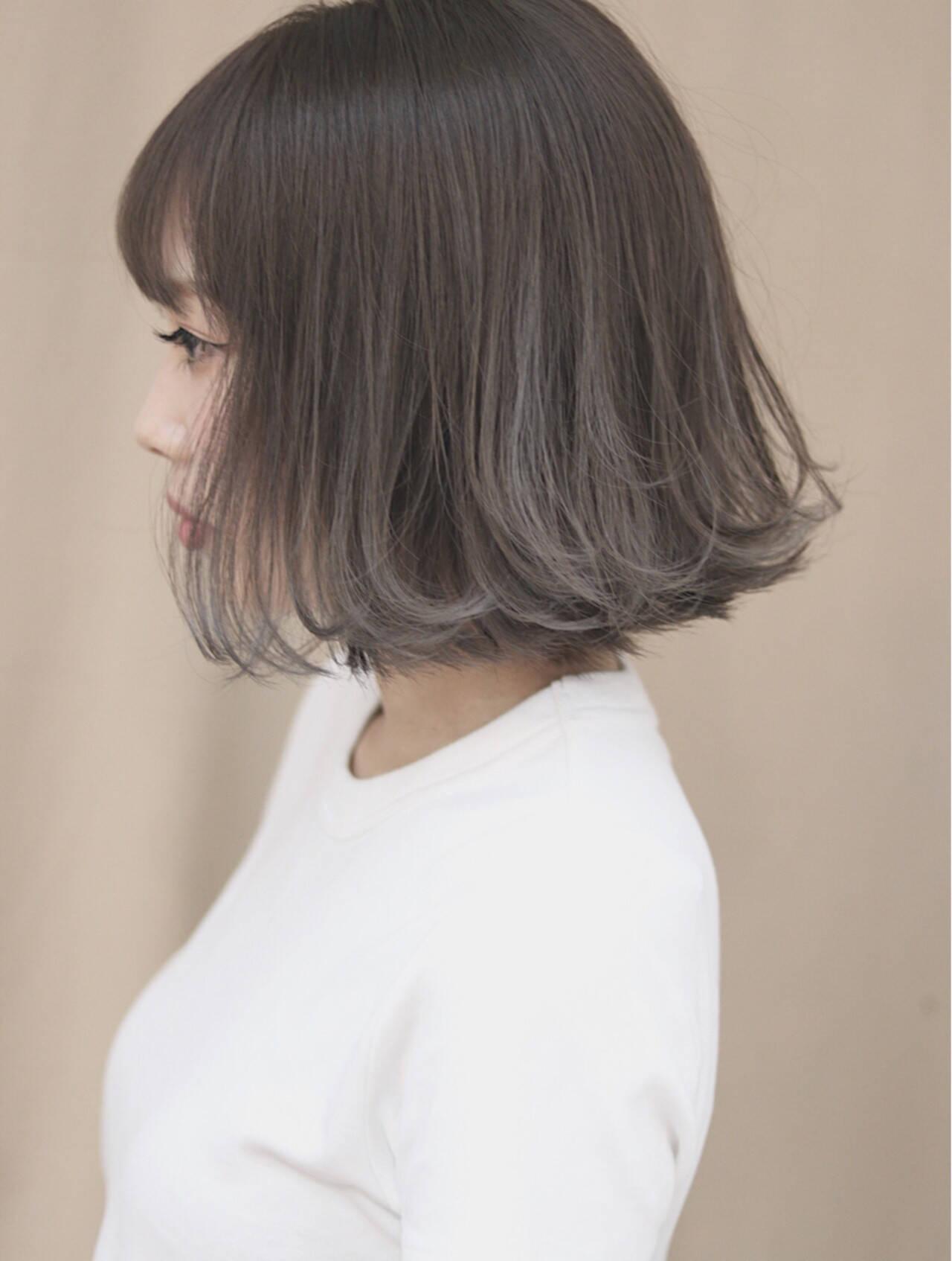 オフィス イルミナカラー グレージュ ハイライトヘアスタイルや髪型の写真・画像