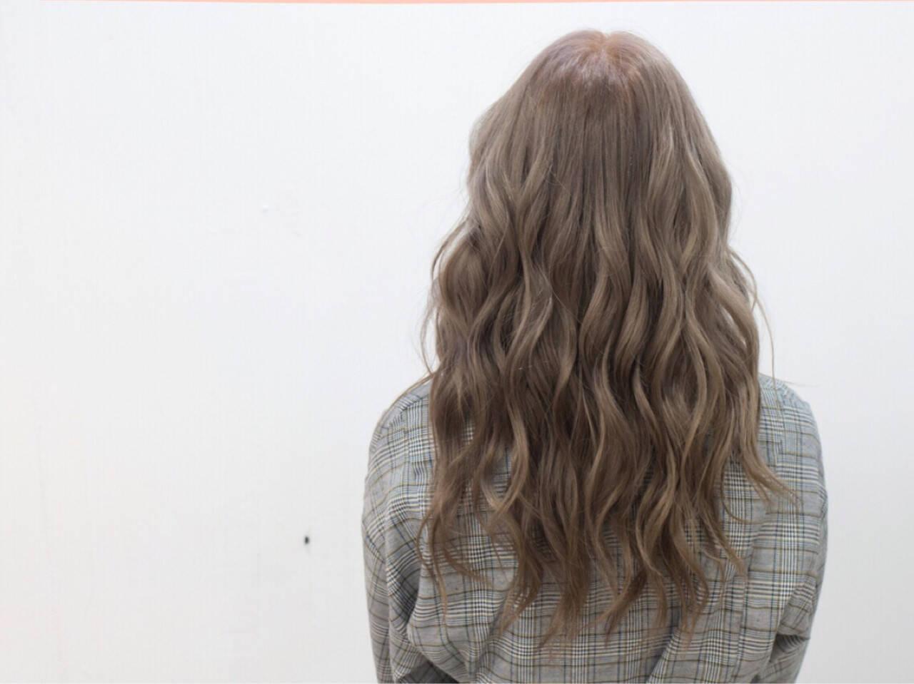 フェミニン ヘアアレンジ おフェロ ハイライトヘアスタイルや髪型の写真・画像
