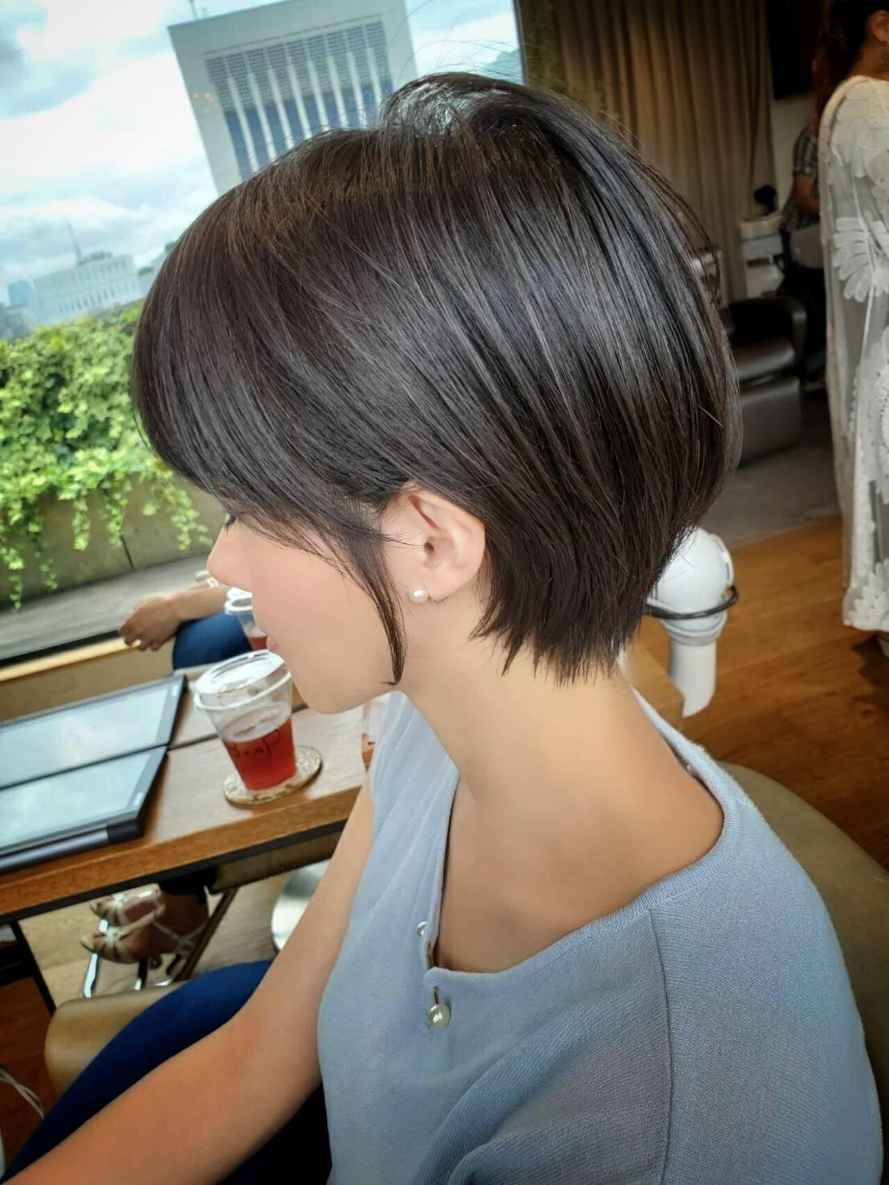 ショート ナチュラル グレージュ ショートボブヘアスタイルや髪型の写真・画像