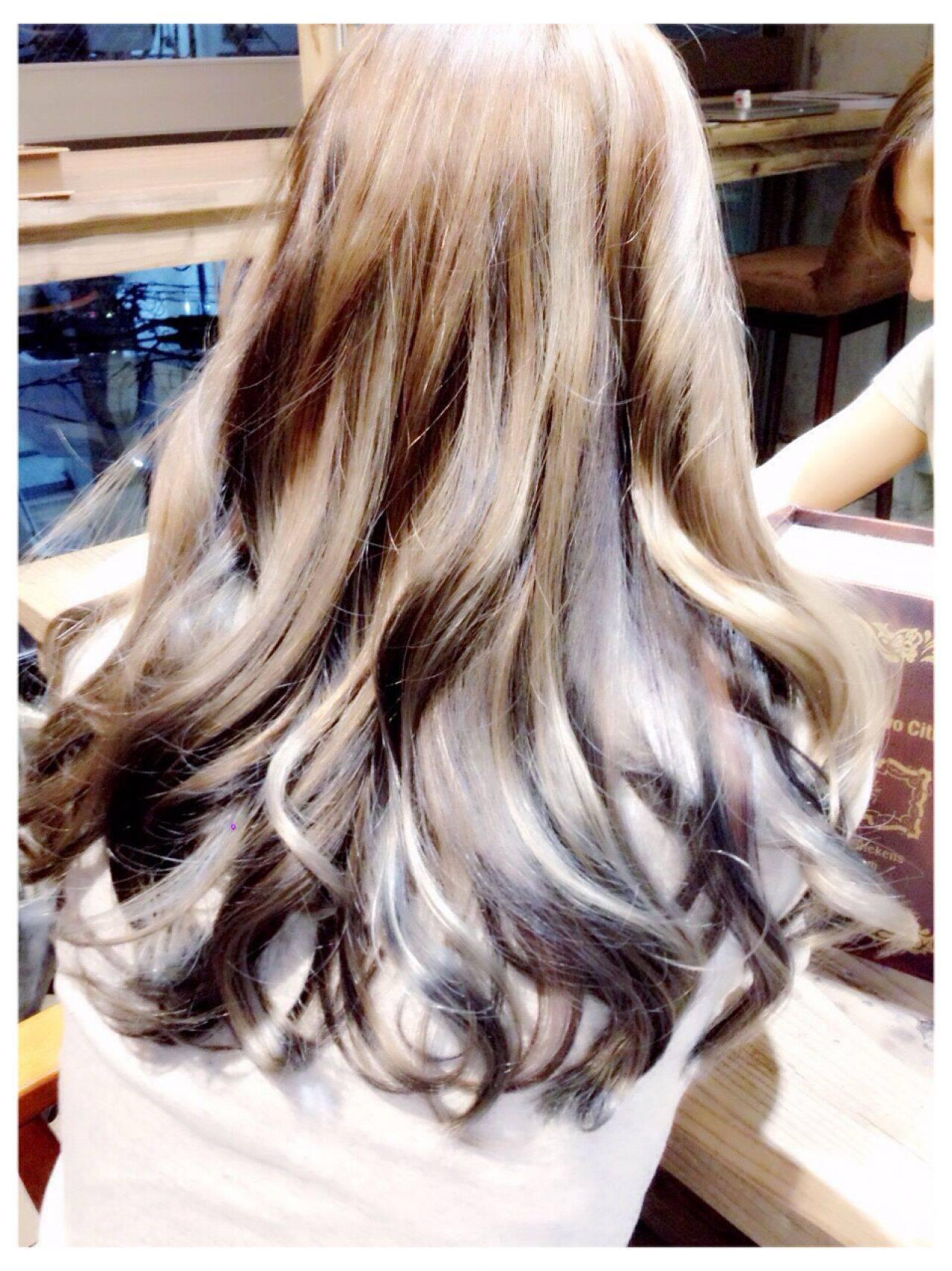 モード ロング グラデーションカラー パンクヘアスタイルや髪型の写真・画像