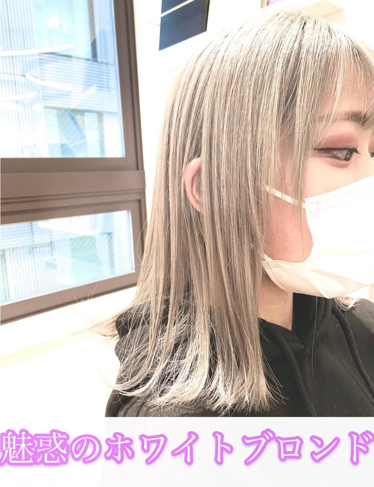 フェミニン ブロンドカラー ホワイトアッシュ プラチナブロンドヘアスタイルや髪型の写真・画像