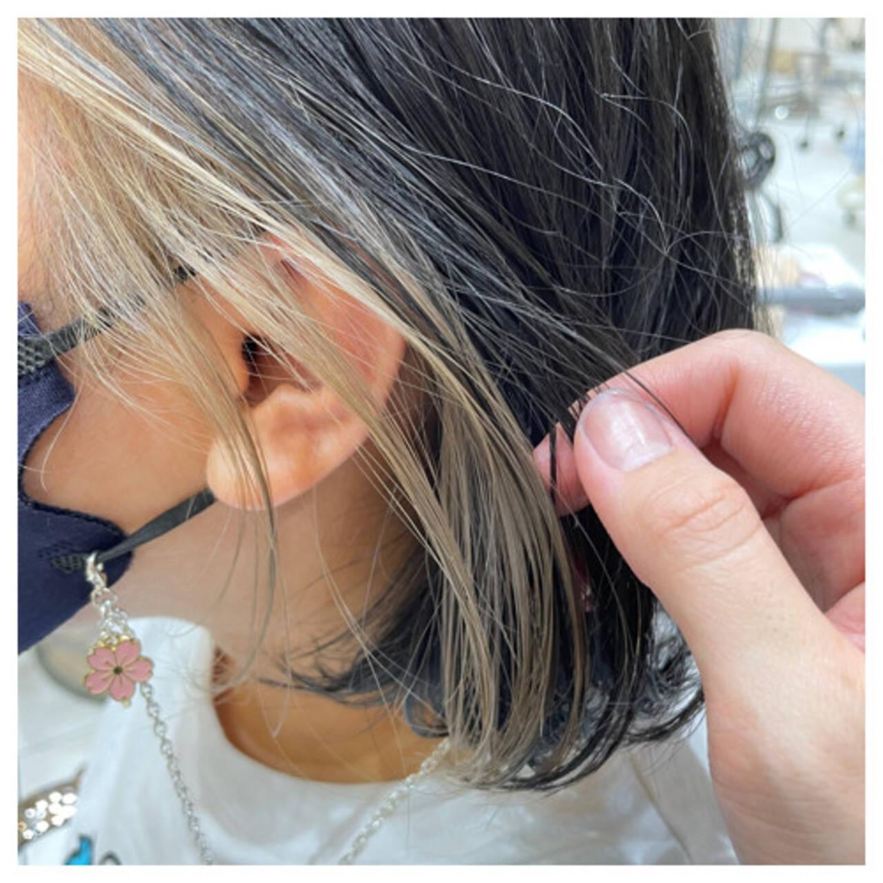ガーリー インナーカラー ミニボブ イヤリングカラーヘアスタイルや髪型の写真・画像