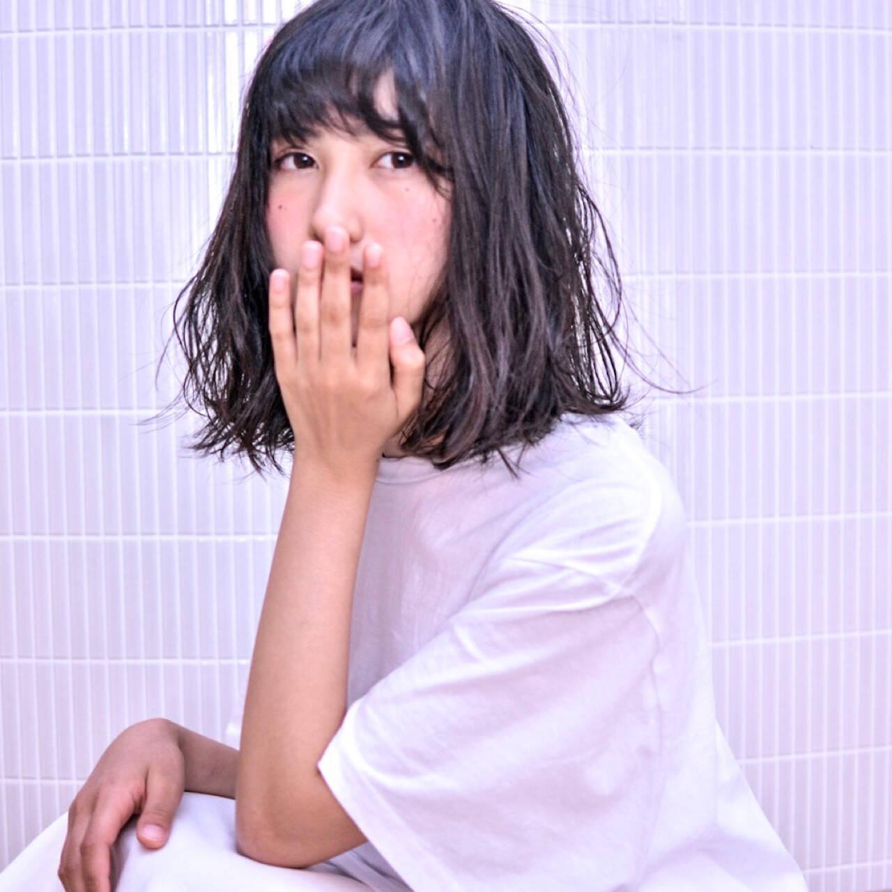ゆるふわ アンニュイ バレンタイン グレージュヘアスタイルや髪型の写真・画像