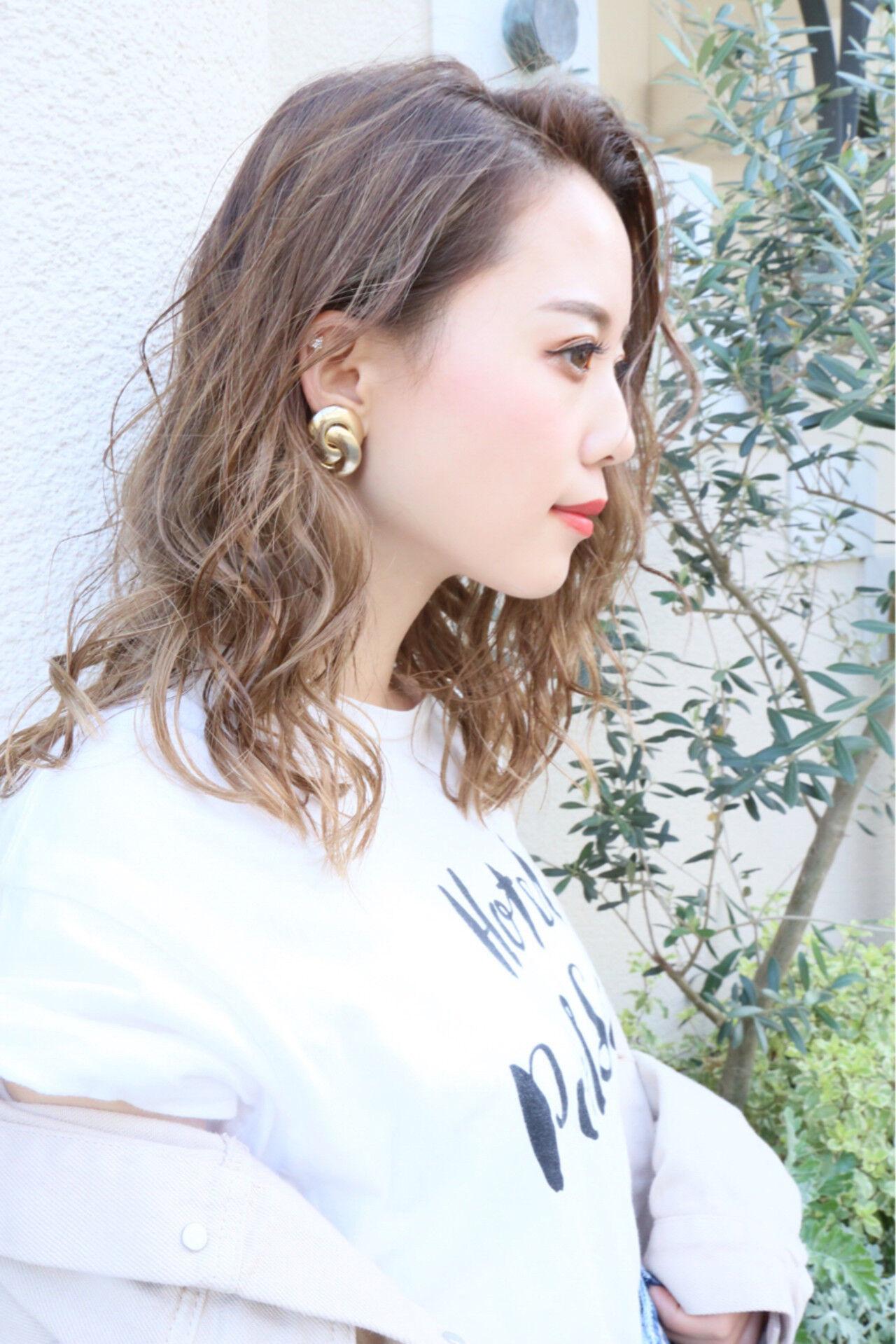グラデーションカラー セミロング アンニュイ ハイトーンヘアスタイルや髪型の写真・画像