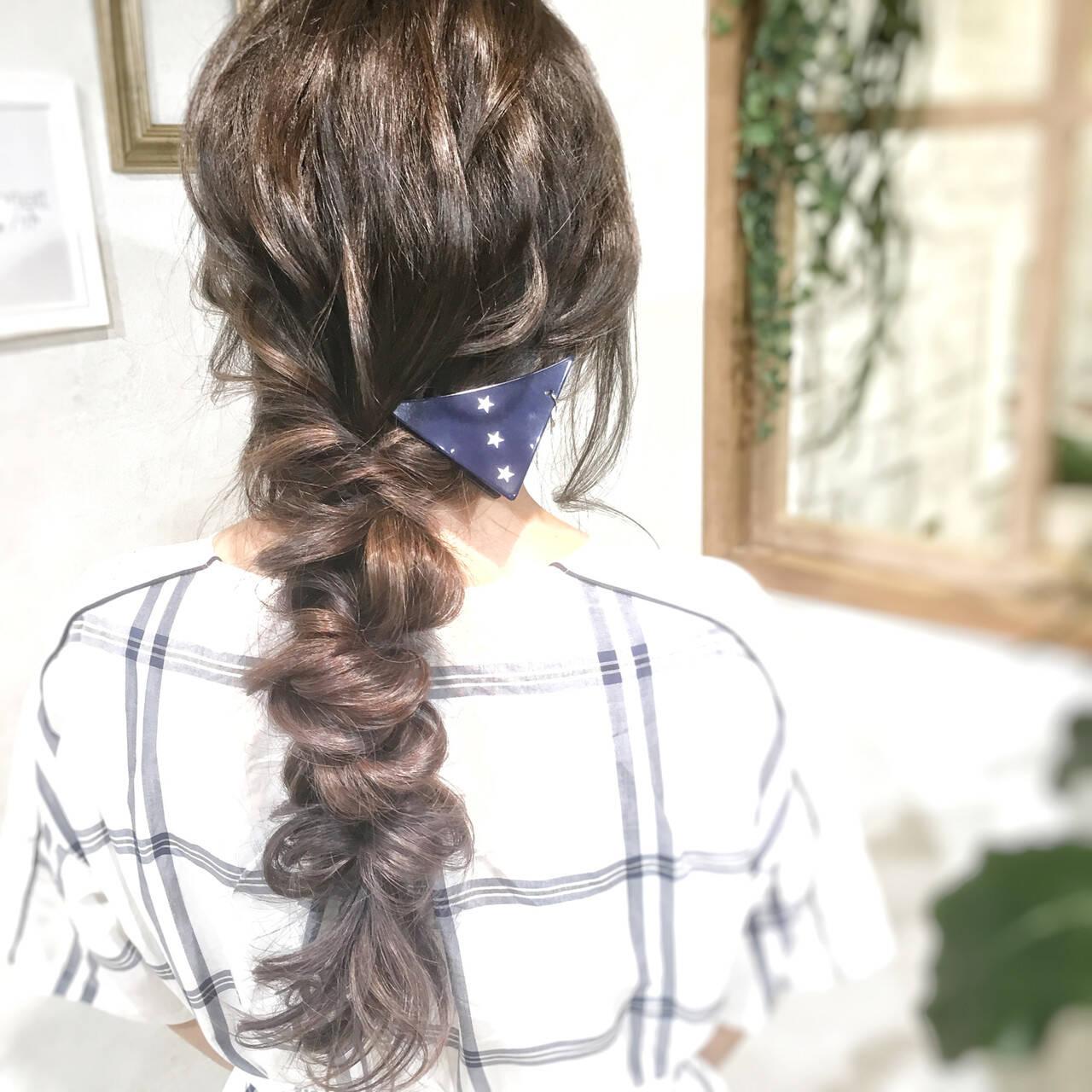 簡単ヘアアレンジ ナチュラル ヘアセット動画 簡単スタイリングヘアスタイルや髪型の写真・画像