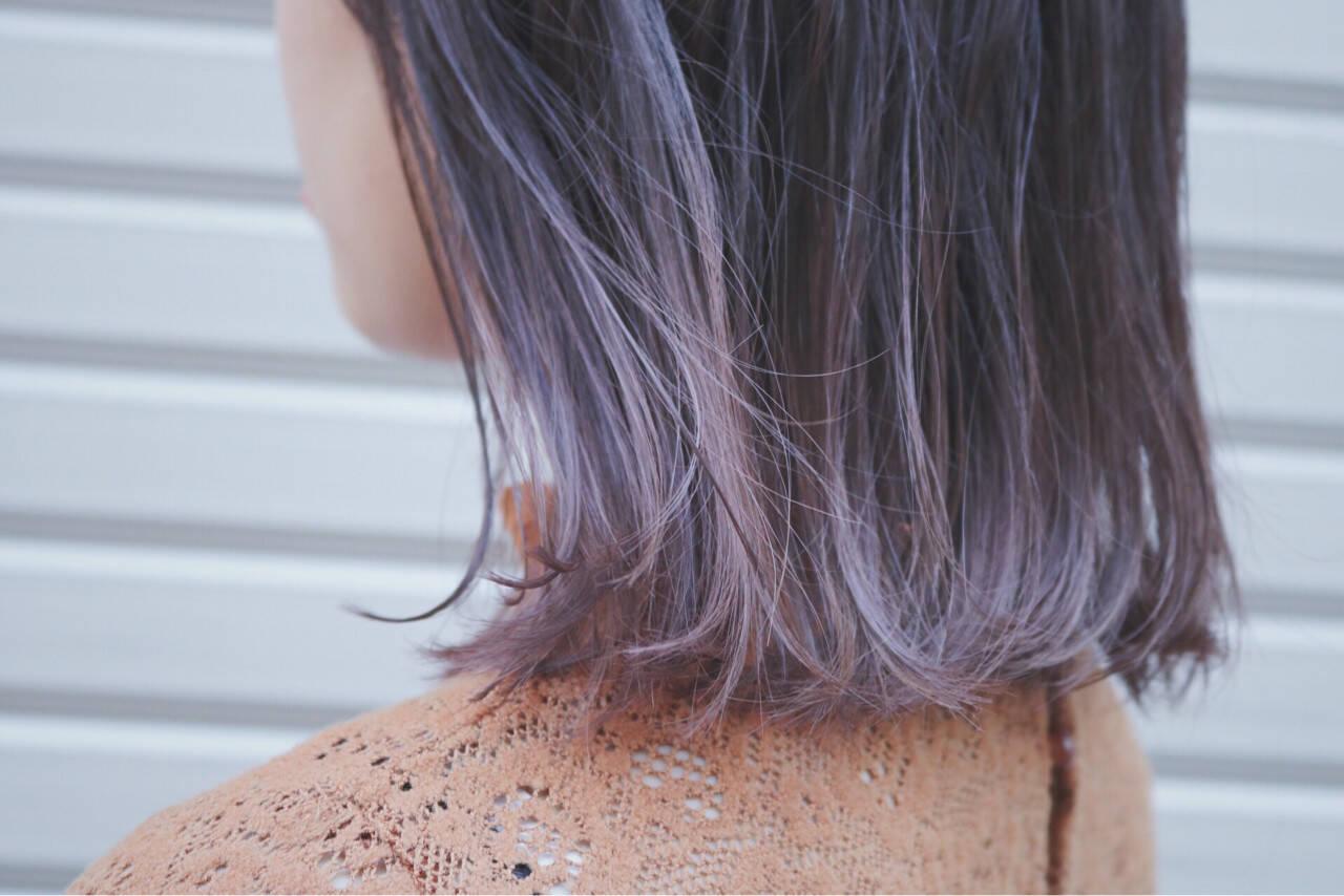 ラベンダーアッシュ 切りっぱなし グラデーションカラー ブリーチヘアスタイルや髪型の写真・画像