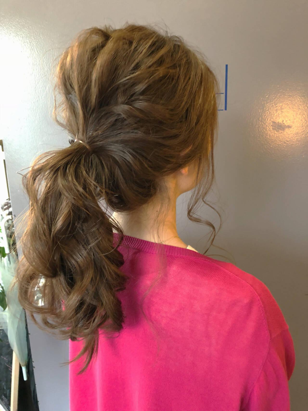 オフィス 結婚式 簡単ヘアアレンジ ナチュラルヘアスタイルや髪型の写真・画像