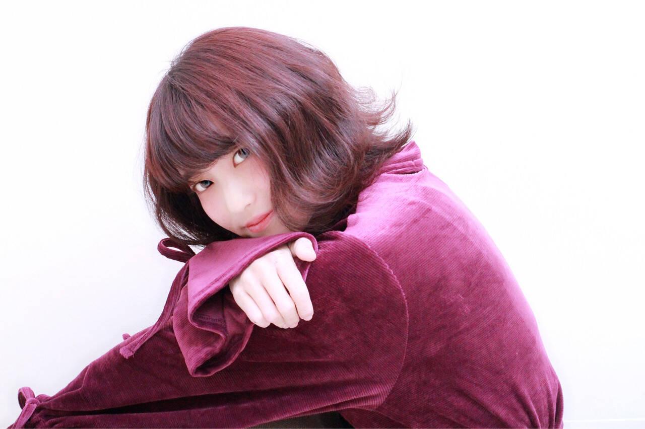 外ハネ レッド エレガント モーブヘアスタイルや髪型の写真・画像