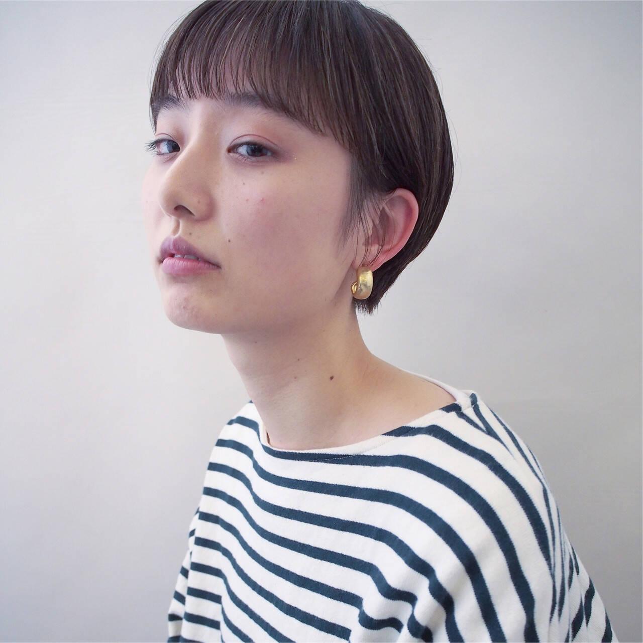 ウェットヘア モード ハンサムショート 黒髪ヘアスタイルや髪型の写真・画像