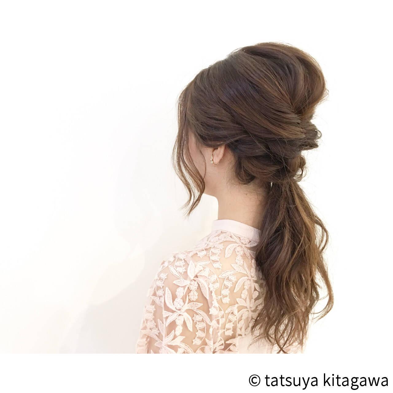 ポニーテール ナチュラル ゆるふわ ローポニーテールヘアスタイルや髪型の写真・画像