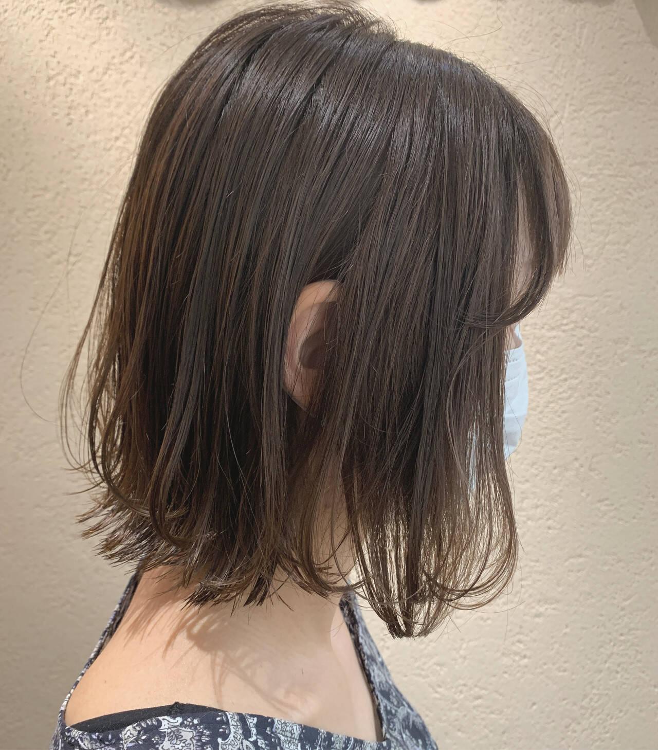オリーブベージュ オリーブグレージュ ミニボブ ナチュラルヘアスタイルや髪型の写真・画像