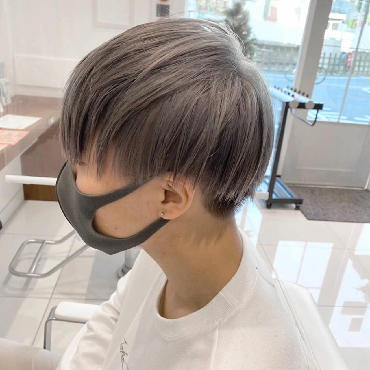 シルバーグレー シルバーグレージュ シルバーアッシュ シルバーヘアスタイルや髪型の写真・画像