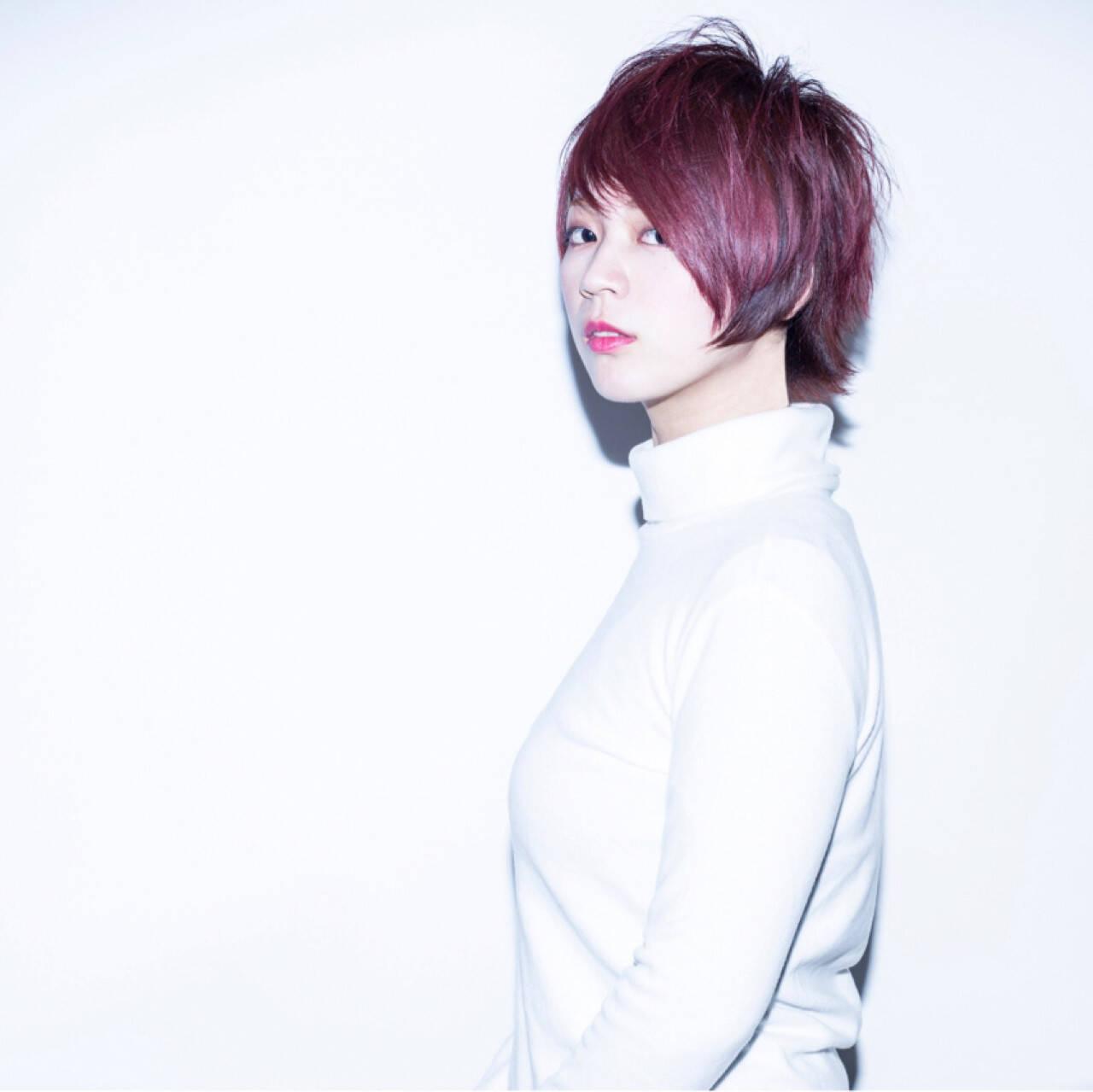 ショート ピンク インナーカラー ハイライトヘアスタイルや髪型の写真・画像