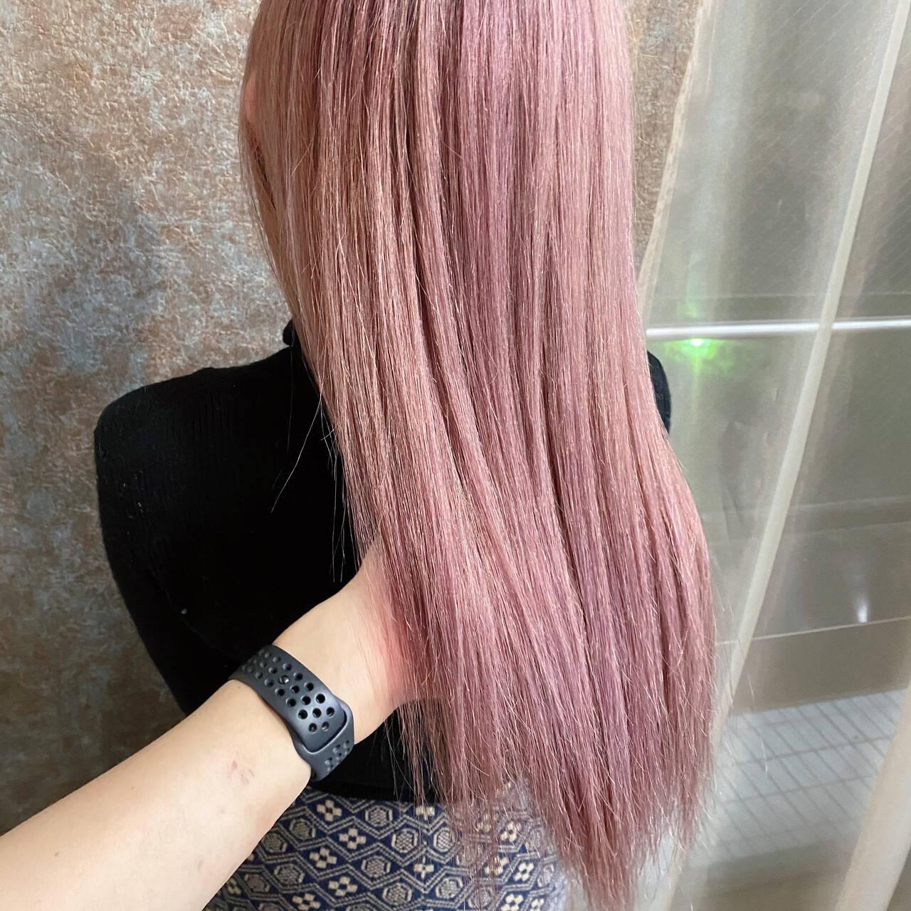 ダブルブリーチ ベリーピンク ブリーチカラー ピンクベージュヘアスタイルや髪型の写真・画像