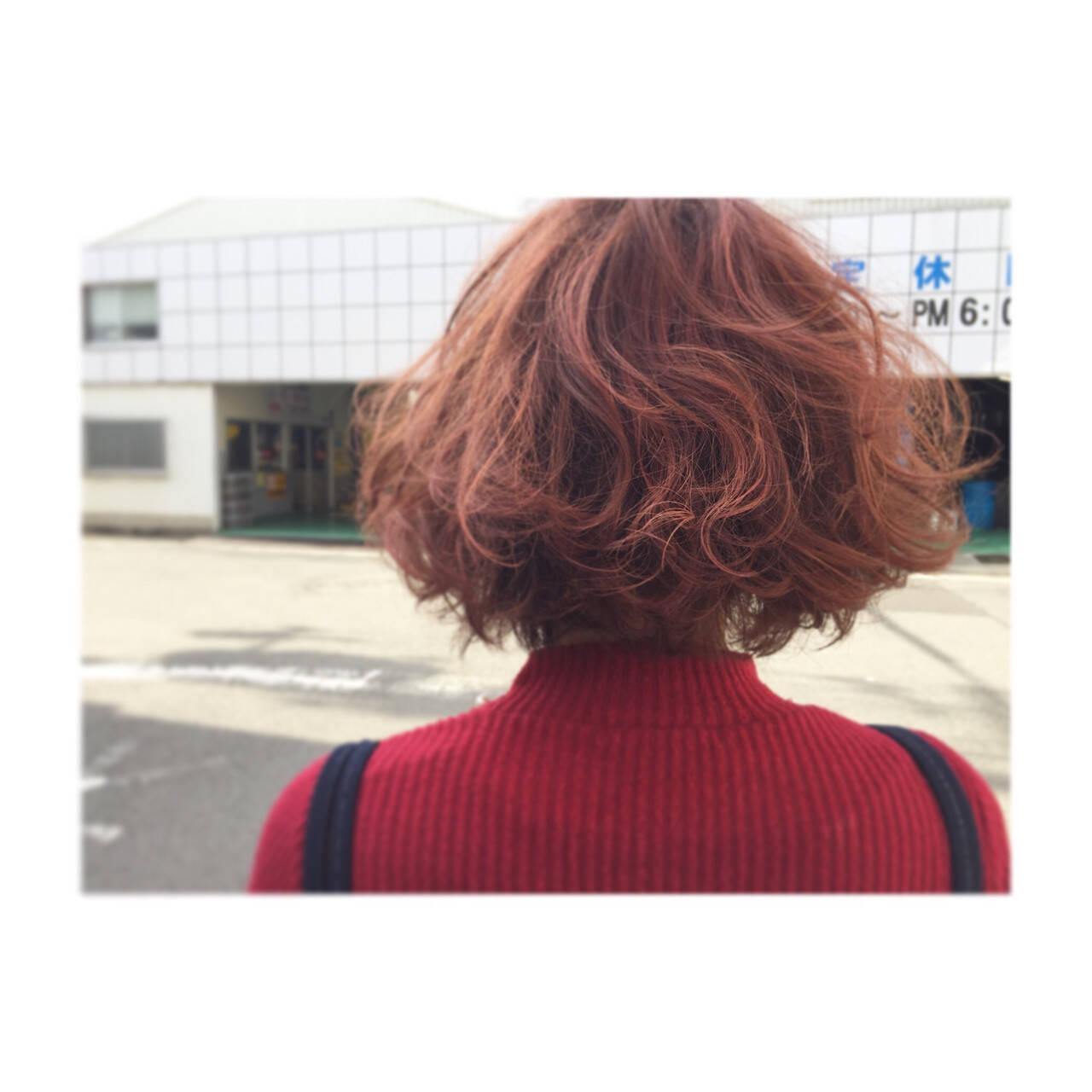 ピンク ミディアム ガーリー レッドヘアスタイルや髪型の写真・画像