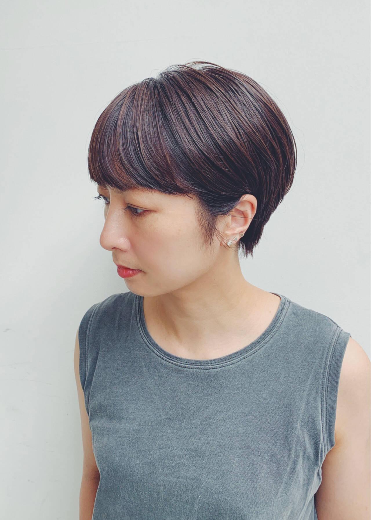 モード 黒髪 ブラウンベージュ ショートヘアスタイルや髪型の写真・画像