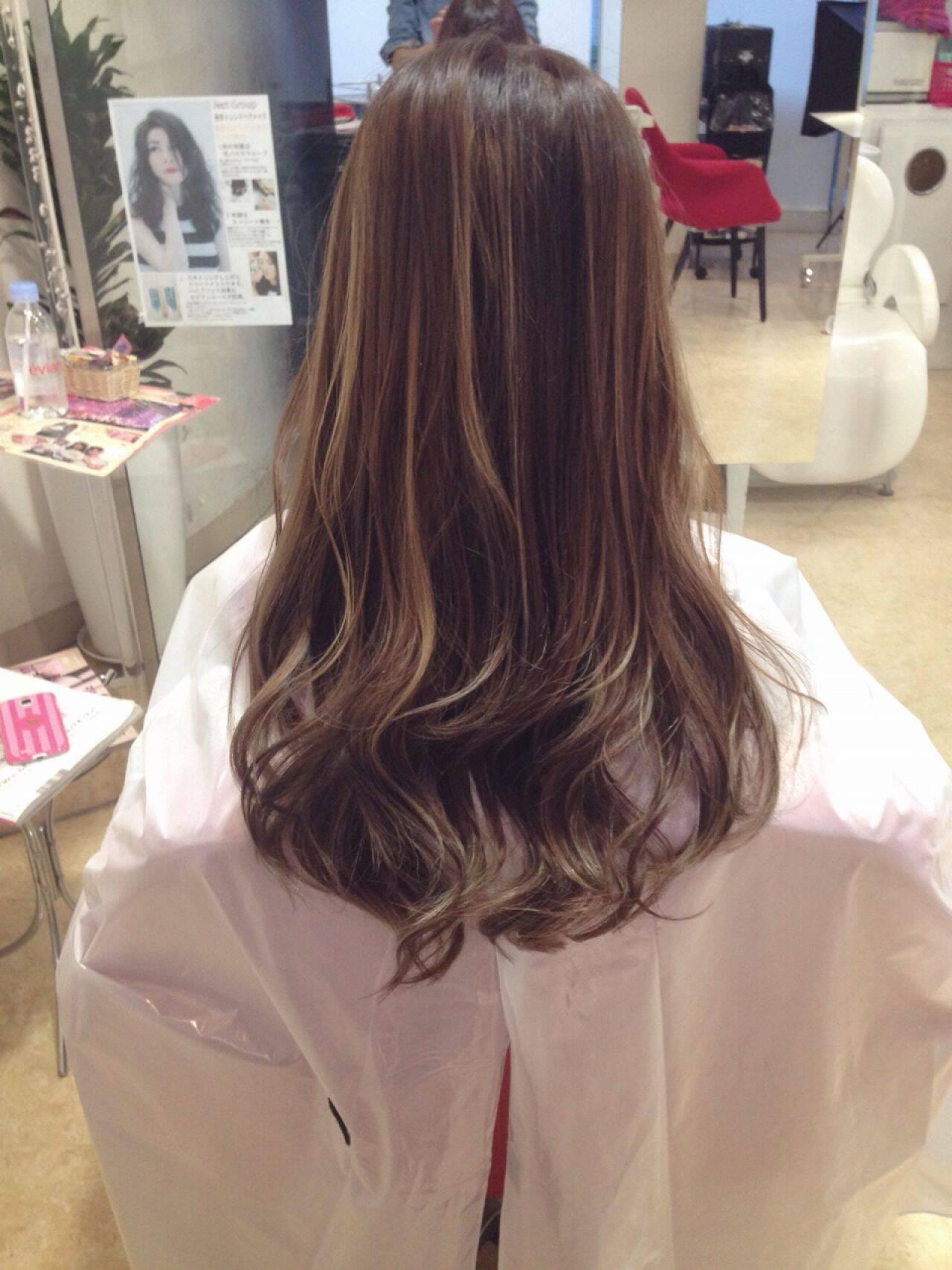 ロング 黒髪 モード アッシュヘアスタイルや髪型の写真・画像